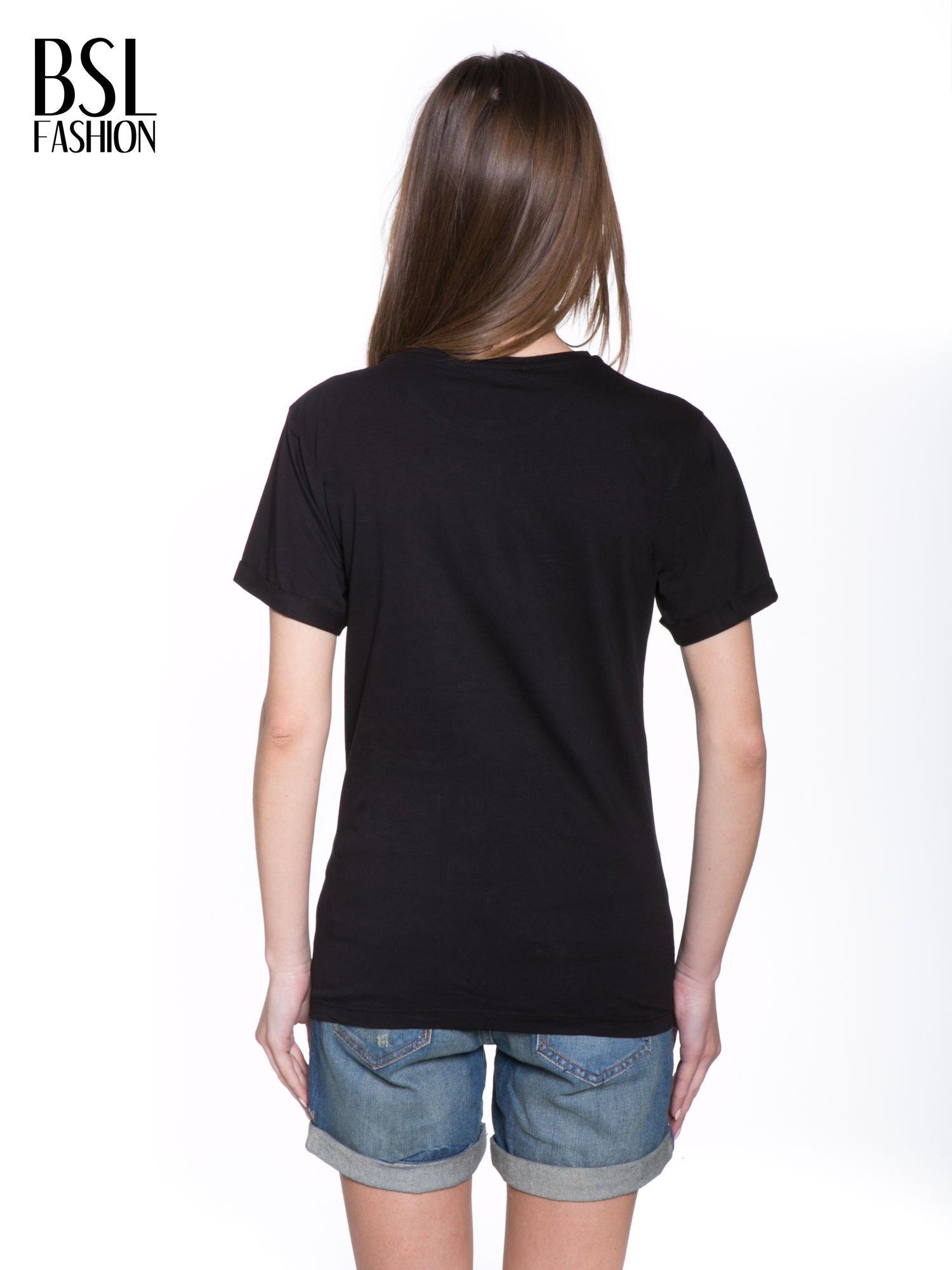 Czarny t-shirt ze złotym napisem HOMIES SOUTH CENTRAL                                  zdj.                                  4