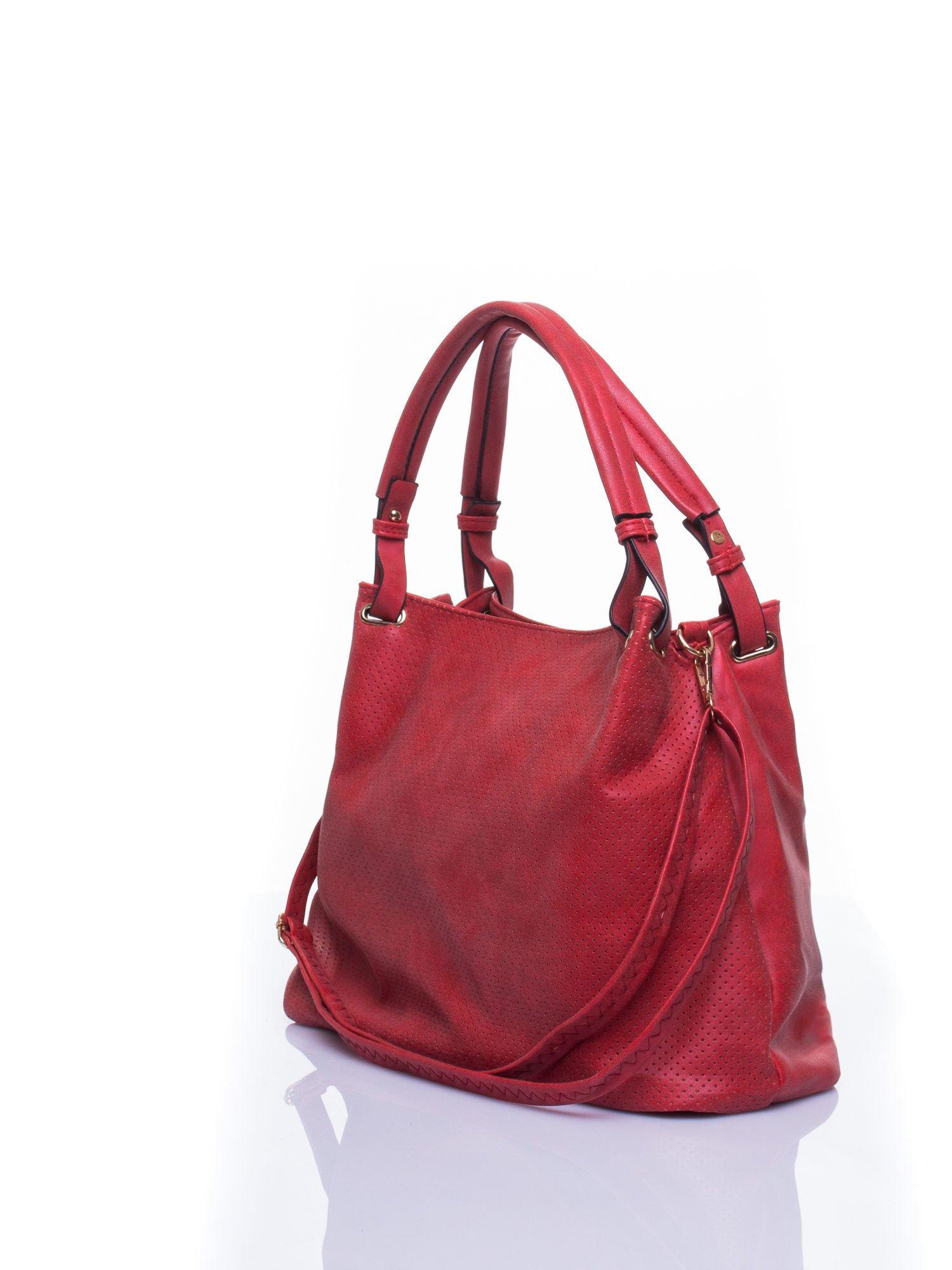 Czerwona ażurowa torba na ramię                                  zdj.                                  4