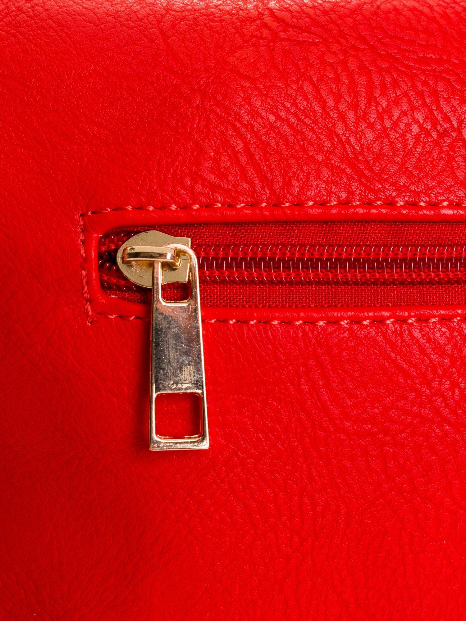 Czerwona kopertówka z dżetami napis LUCY WORLD                                  zdj.                                  5