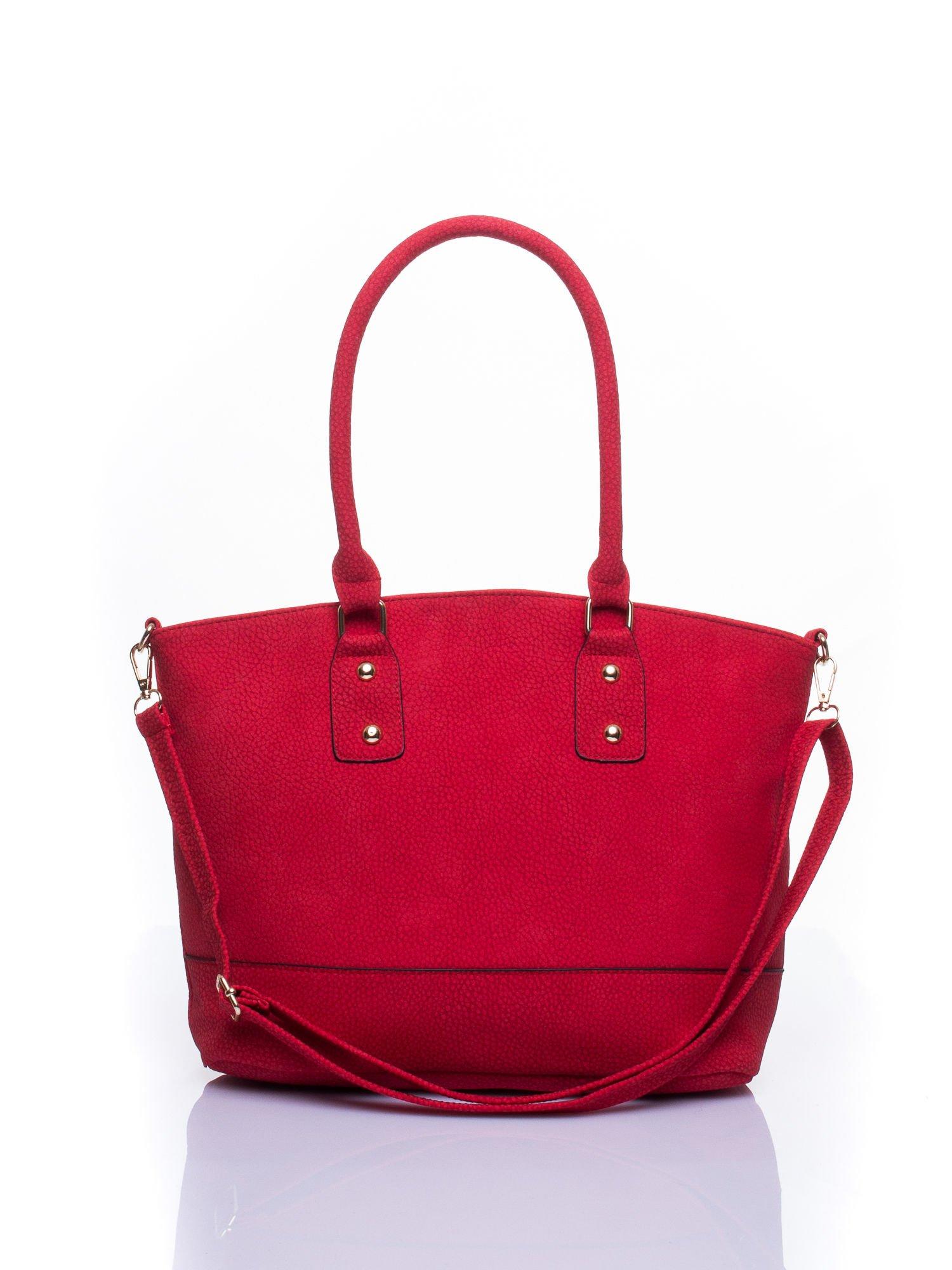 Czerwona miejska torba z czarną lamówką                                  zdj.                                  1