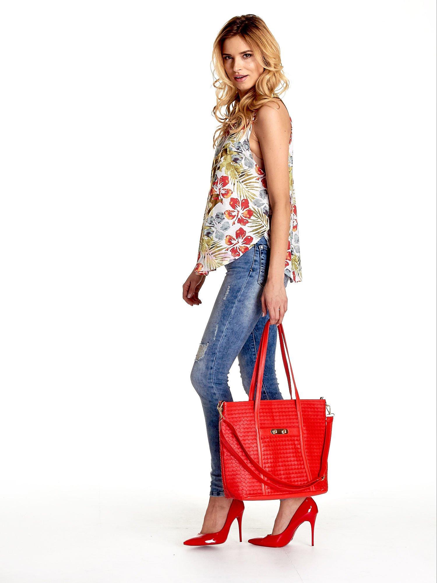 Czerwona pleciona torba shopper bag ze złotym detalem                                  zdj.                                  2