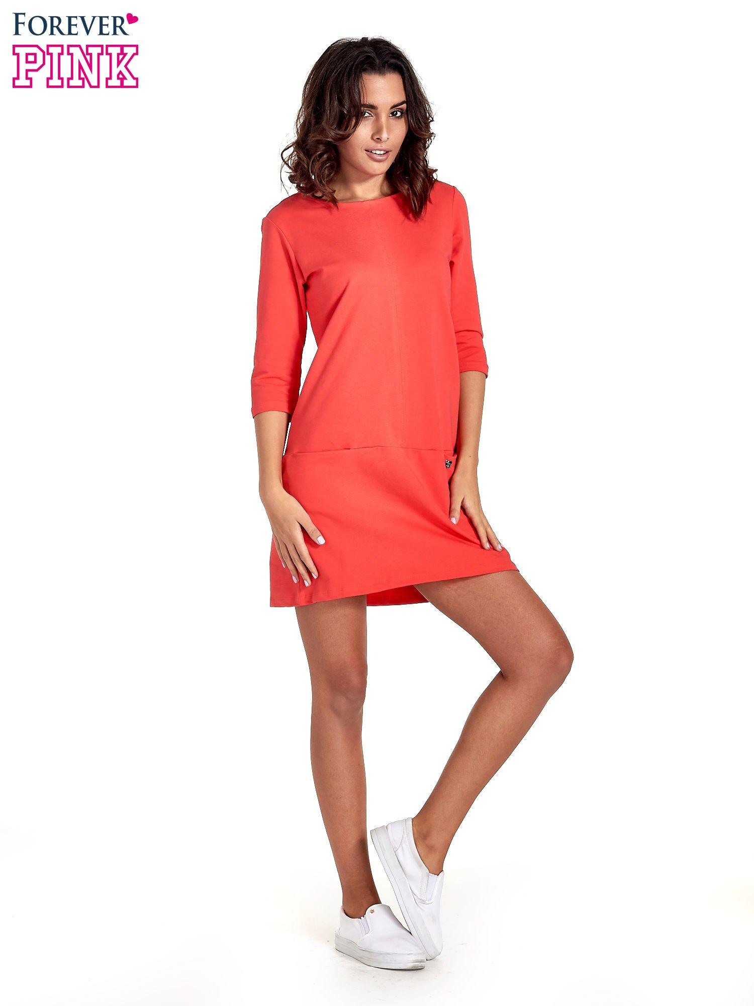 Czerwona prosta sukienka z kieszeniami                                   zdj.                                  7