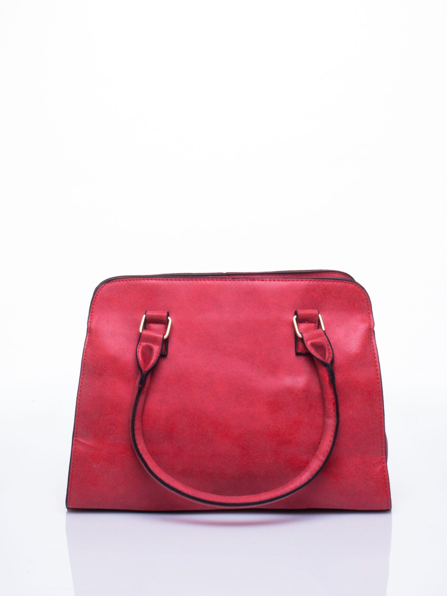 Czerwona torebka miejska z zawieszką                                  zdj.                                  3