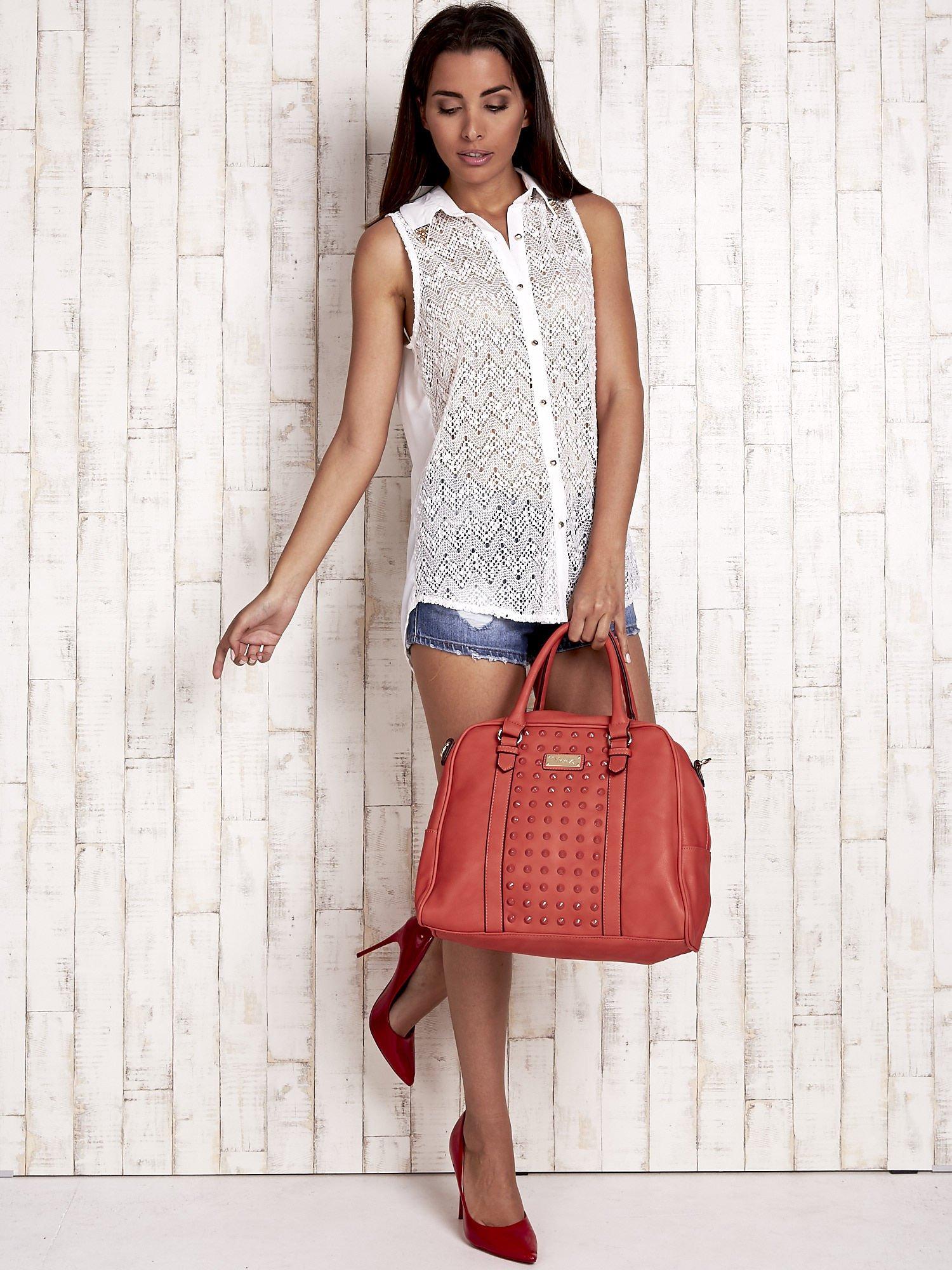 Czerwona torebka miękki kuferek z ćwiekami                                  zdj.                                  7
