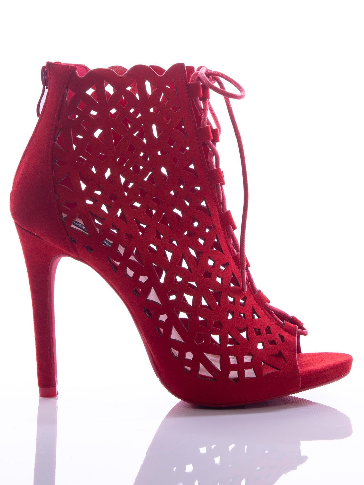 6be65c1f528f8 Czerwone ażurowe botki z ozdobnym sznurowaniem na szpilkach - Buty ...