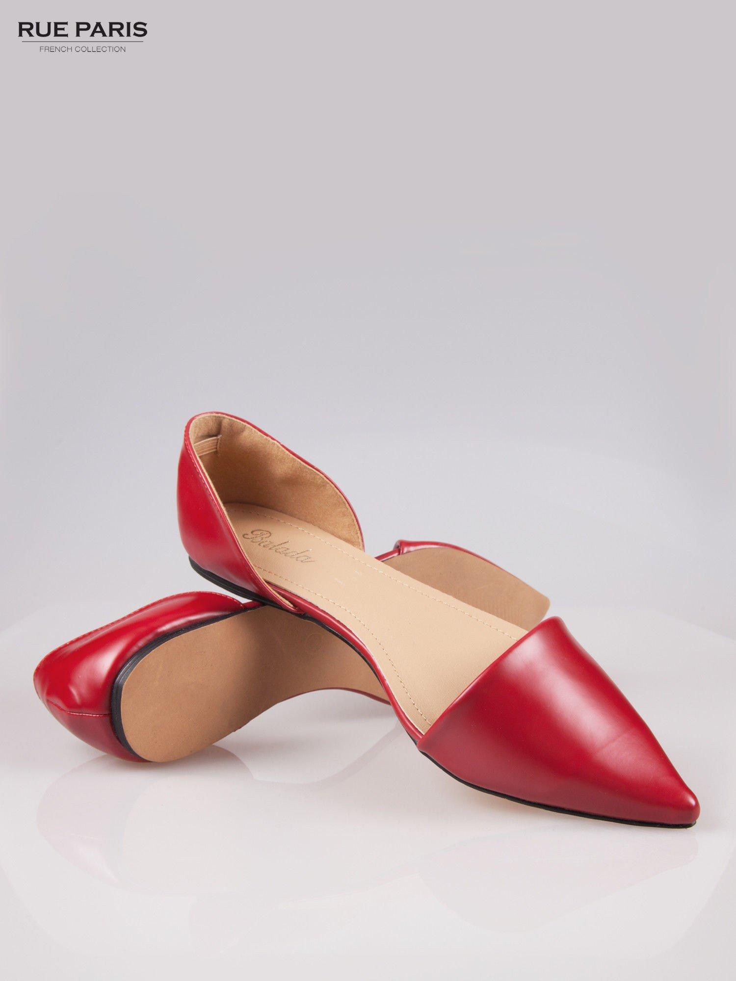 Czerwone baleriny faux leather Tiffany z wyciętymi bokami                                  zdj.                                  4