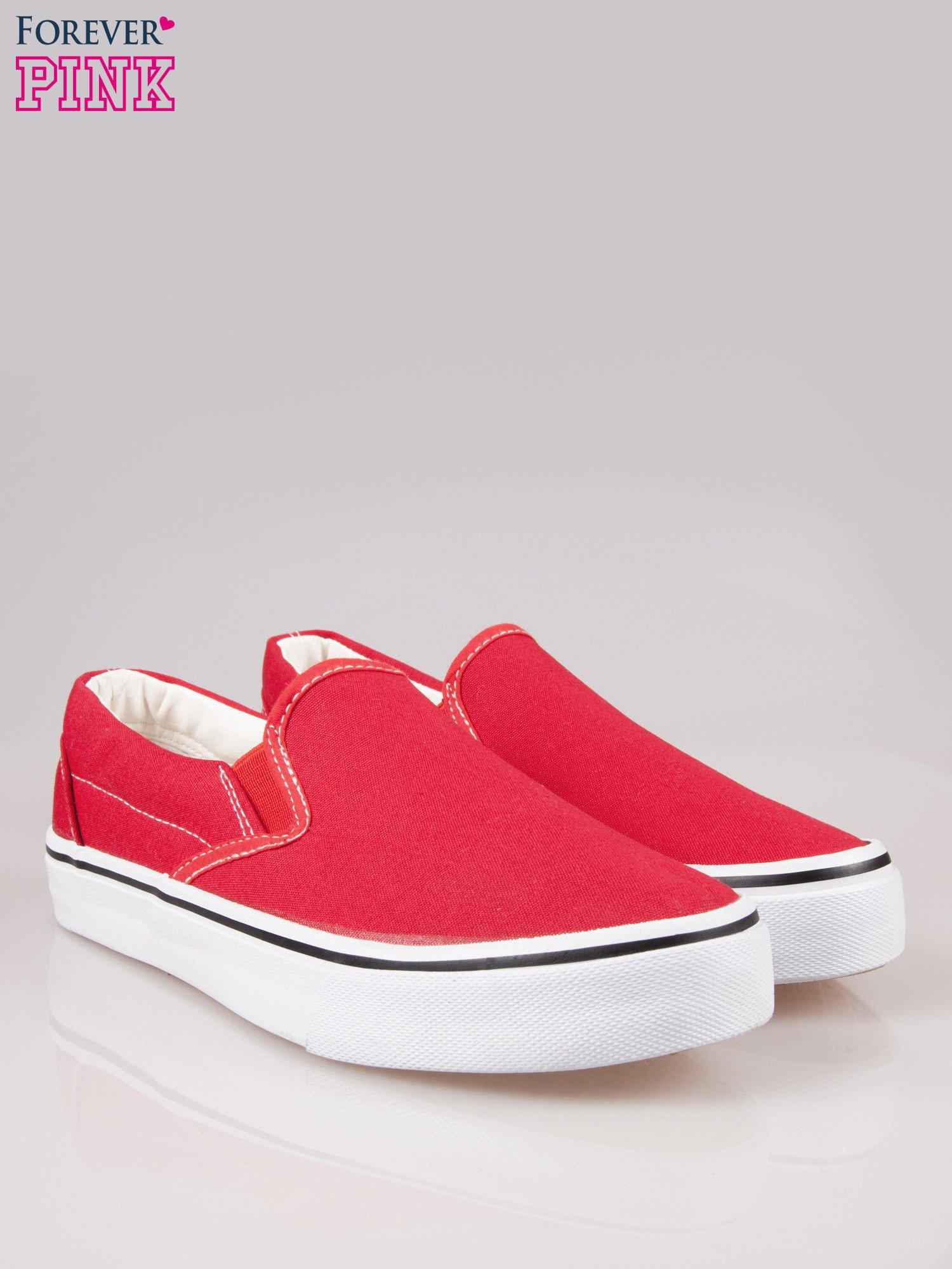 Czerwone buty slip on na grubej podeszwie                                  zdj.                                  2