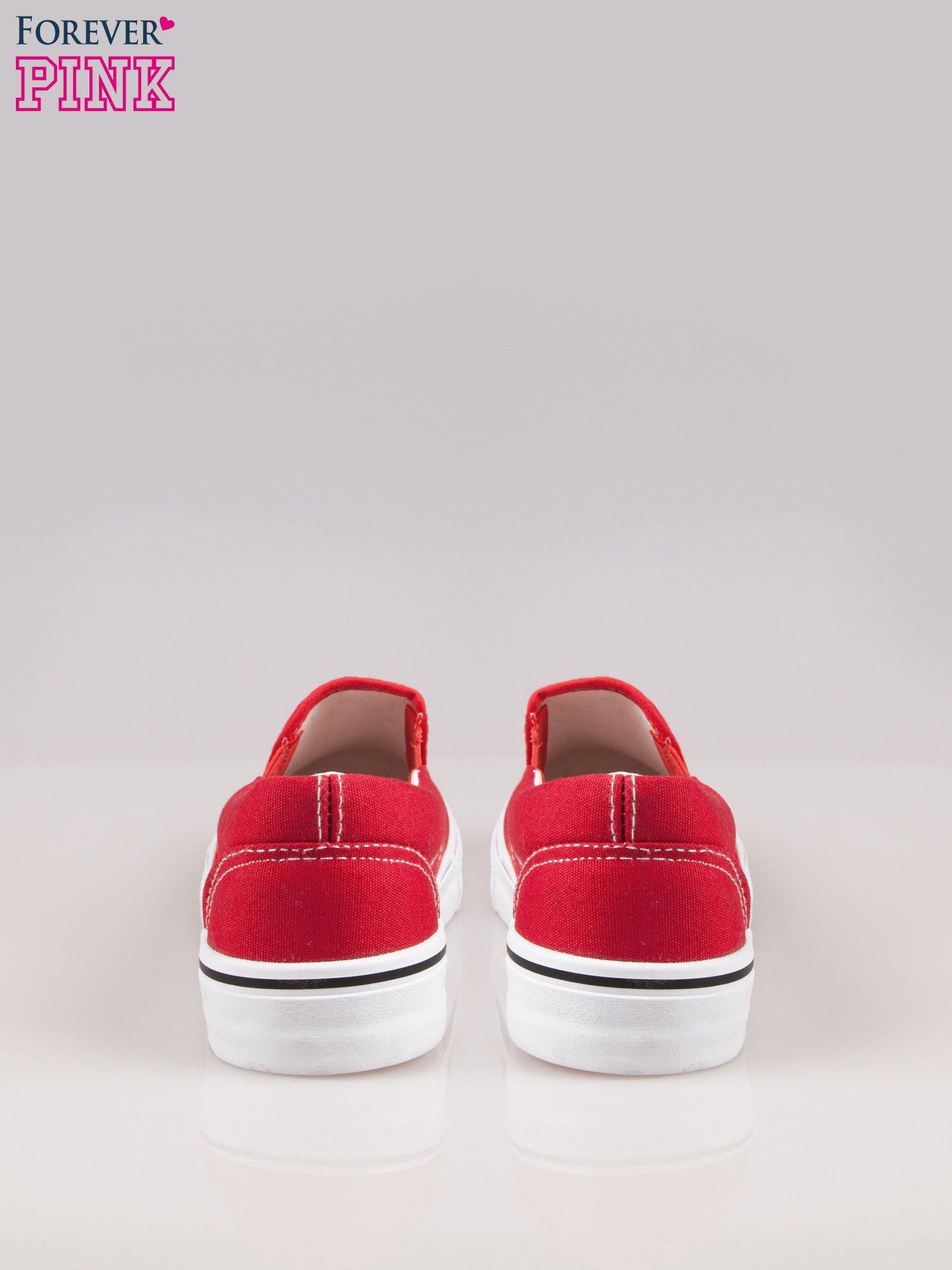 Czerwone buty slip on na grubej podeszwie                                  zdj.                                  3