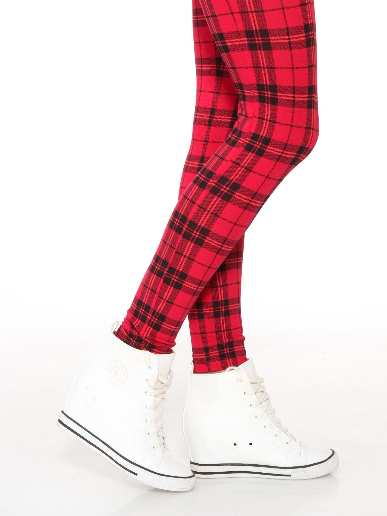Czerwone legginsy w kratę                                  zdj.                                  8