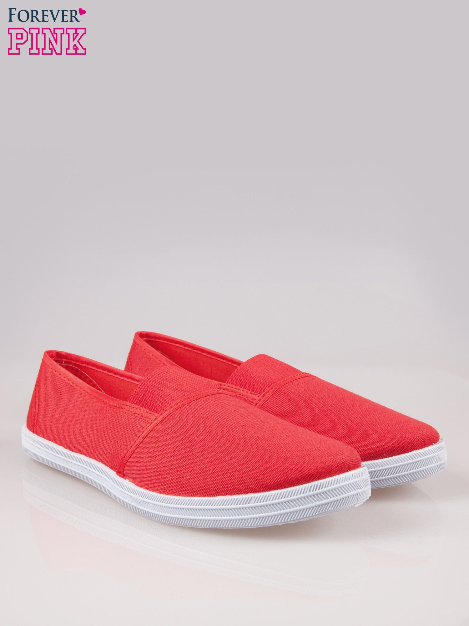 Czerwone miękkie buty slip on                                  zdj.                                  2
