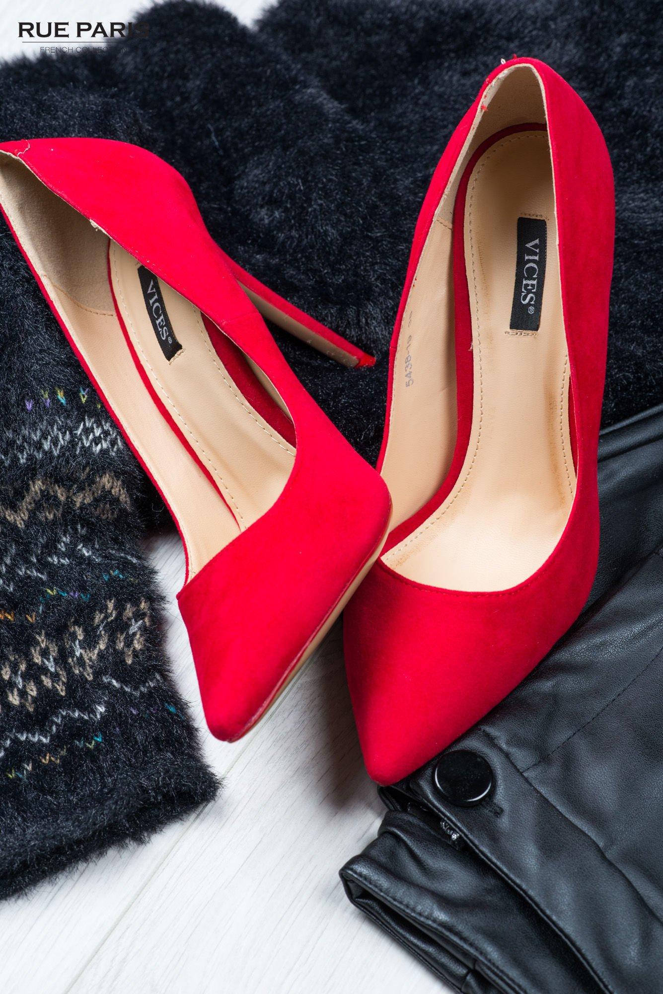 Czerwone zamszowe czółenka na szpilce faux suede                                  zdj.                                  1