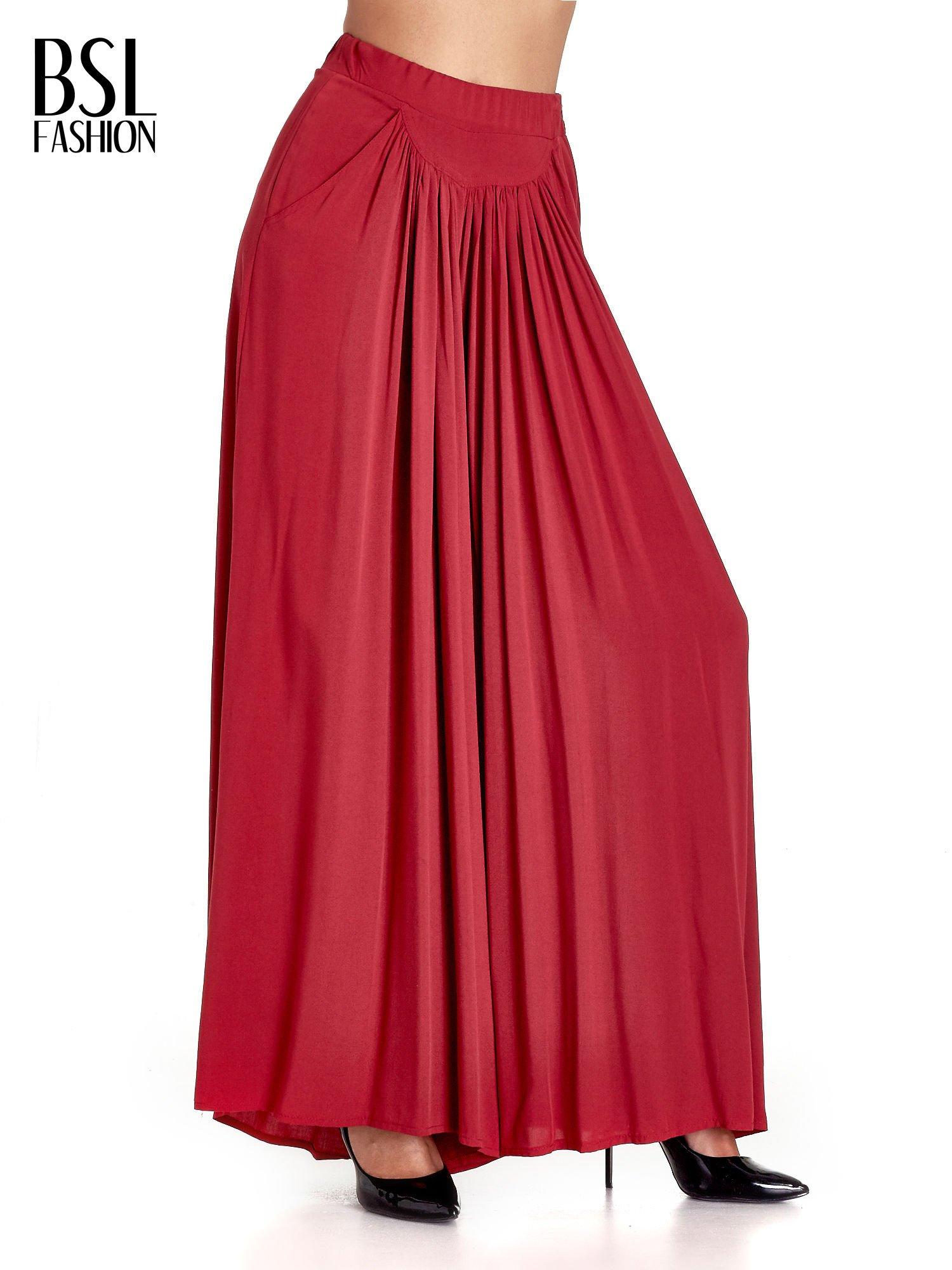 Czerwone zwiewne spodnie typu culottes                                  zdj.                                  1