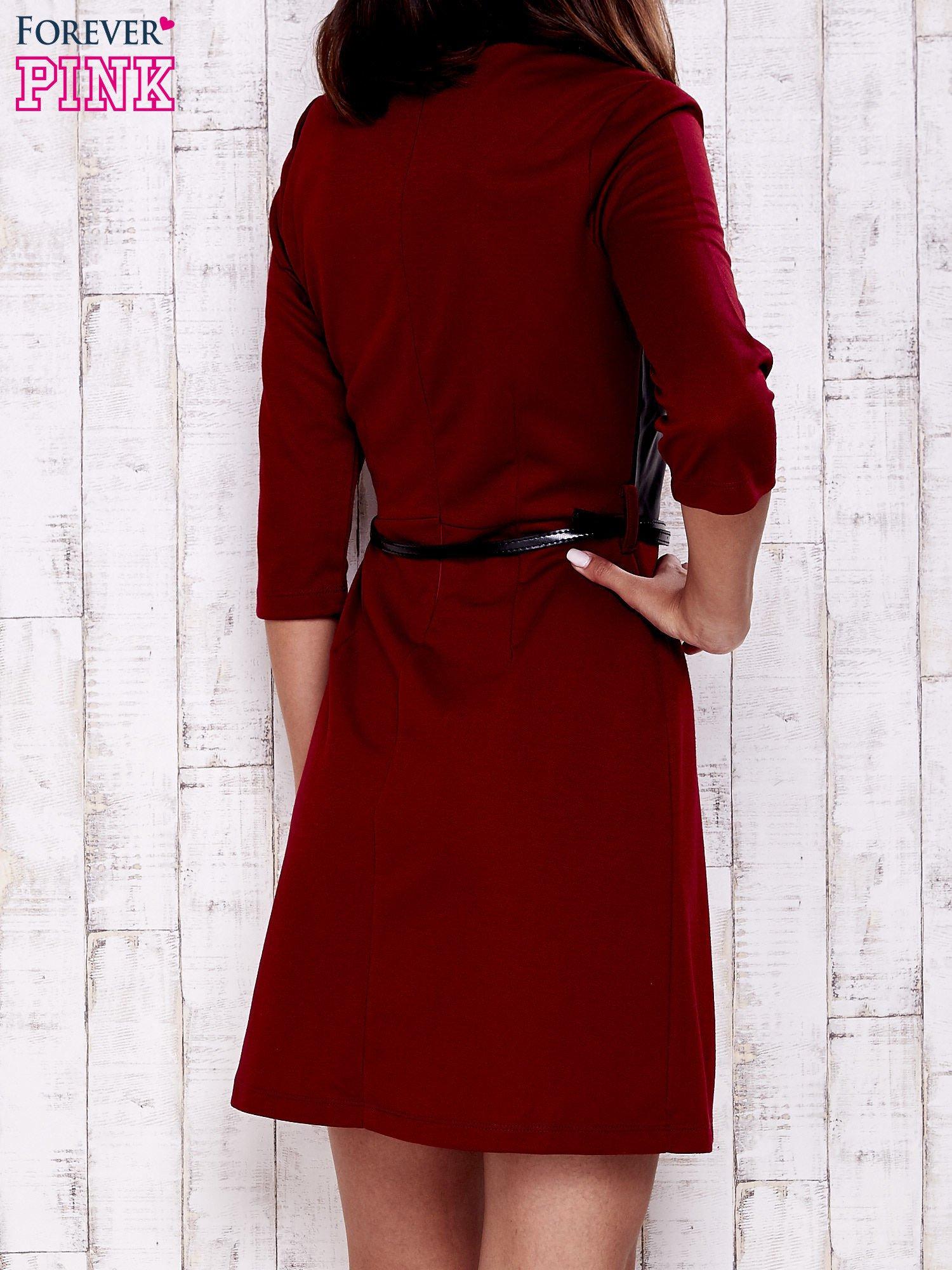 Czerwono-czarna sukienka ze skórzanymi wstawkami                                  zdj.                                  4