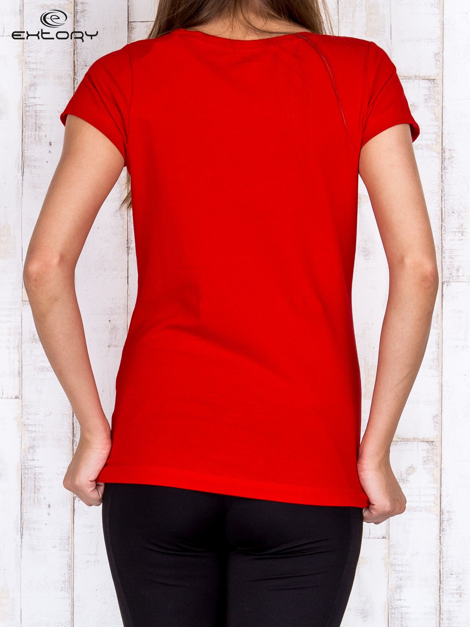 Czerwony damski t-shirt sportowy basic PLUS SIZE                                  zdj.                                  2