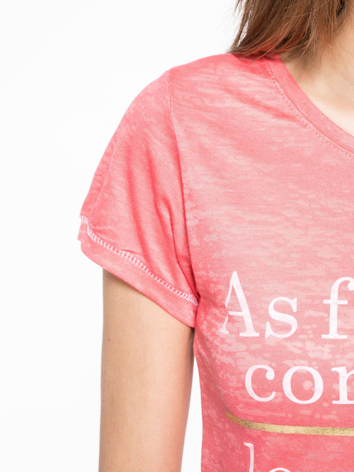Czerwony półtransparentny t-shirt z napisem                                  zdj.                                  5