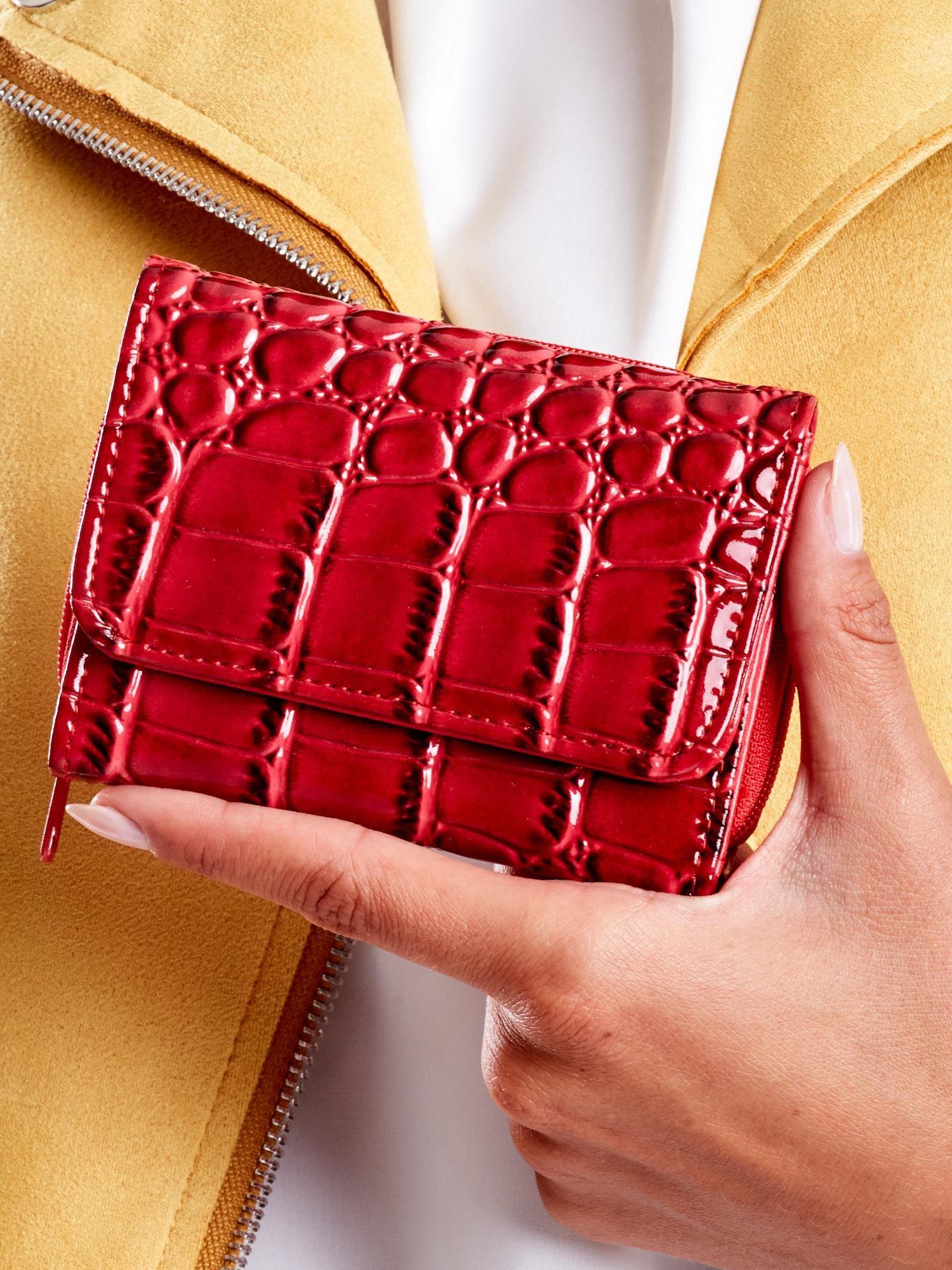 a586ecc08 Czerwony portfel damski z ekoskóry z tłoczonym motywem skóry węża - Akcesoria  portfele - sklep eButik.pl