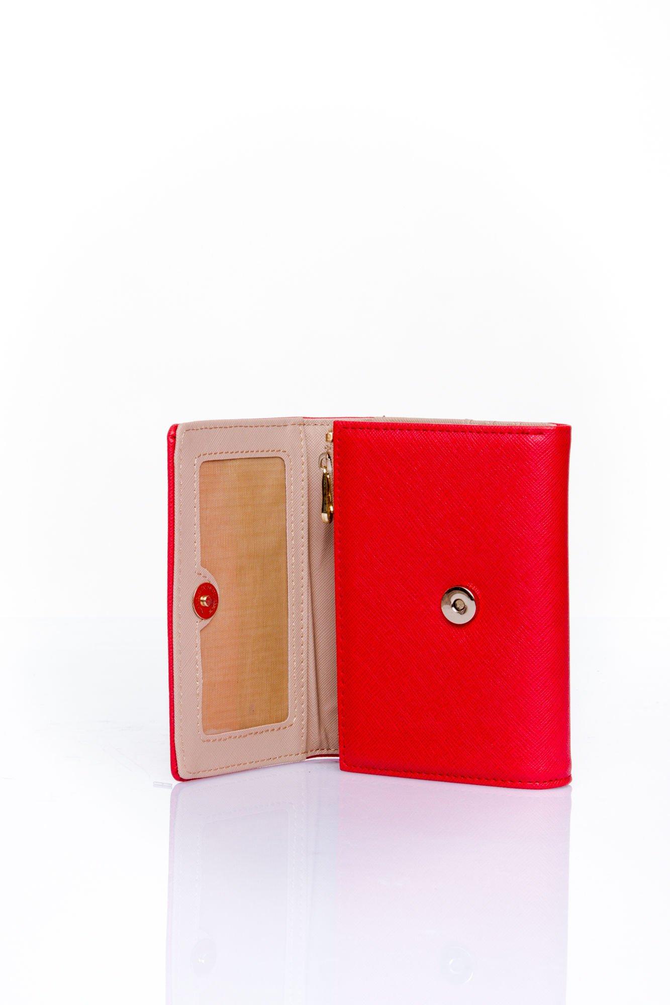 Czerwony portfel z kokardką                                  zdj.                                  4