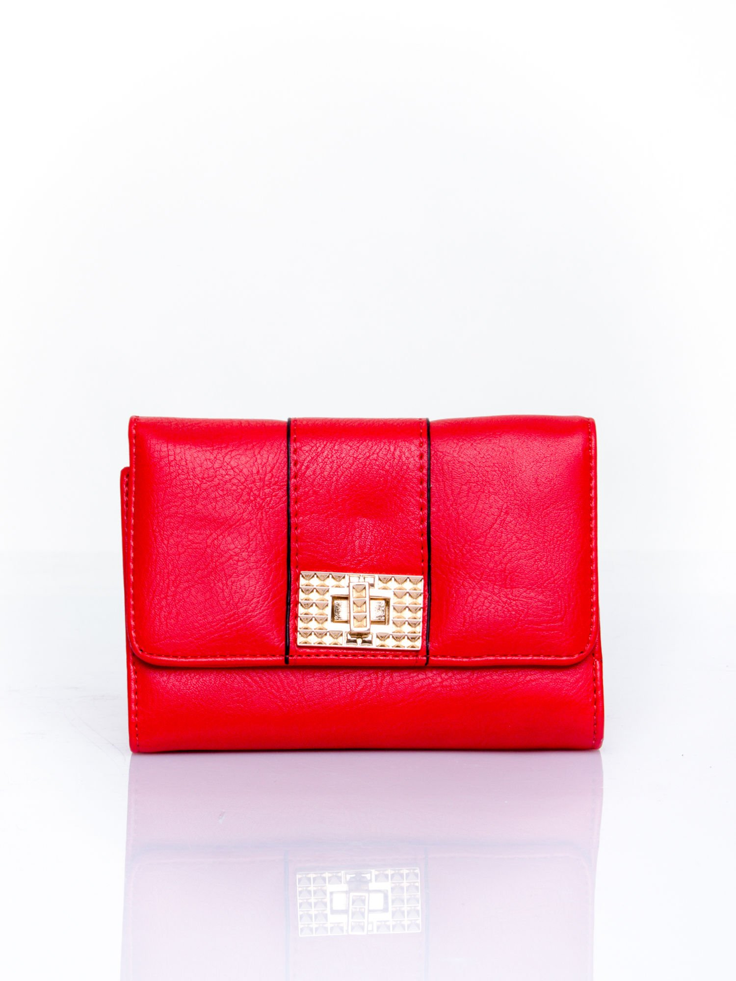 Czerwony portfel z ozdobnym zapięciem                                  zdj.                                  1