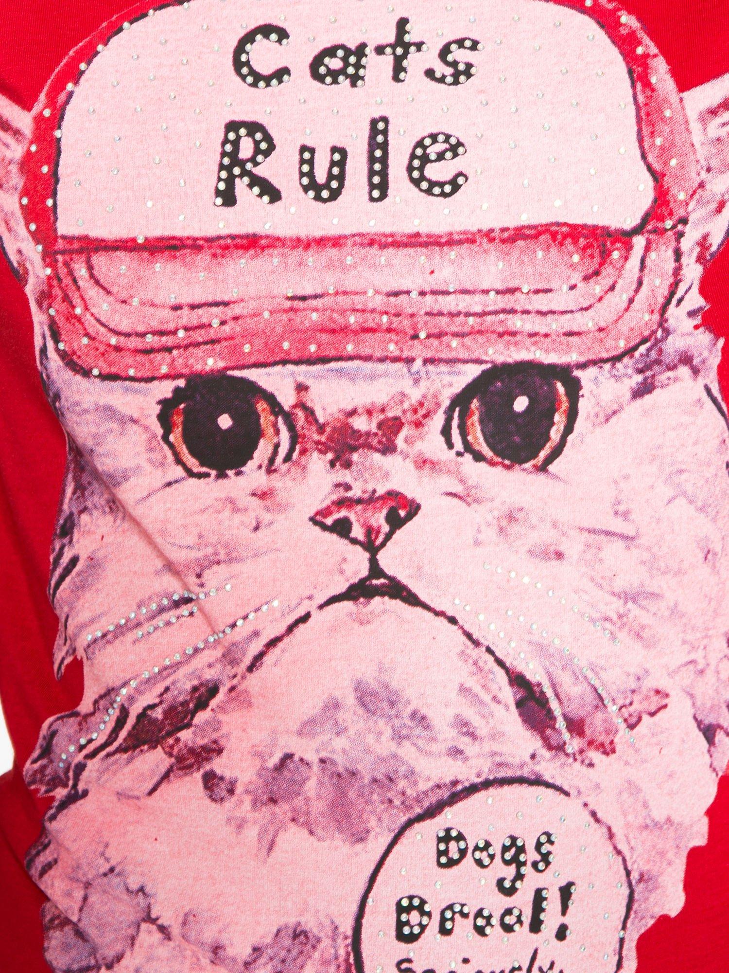 Czerwony t-shirt z nadrukiem kota i napisem CATS RULE                                  zdj.                                  8