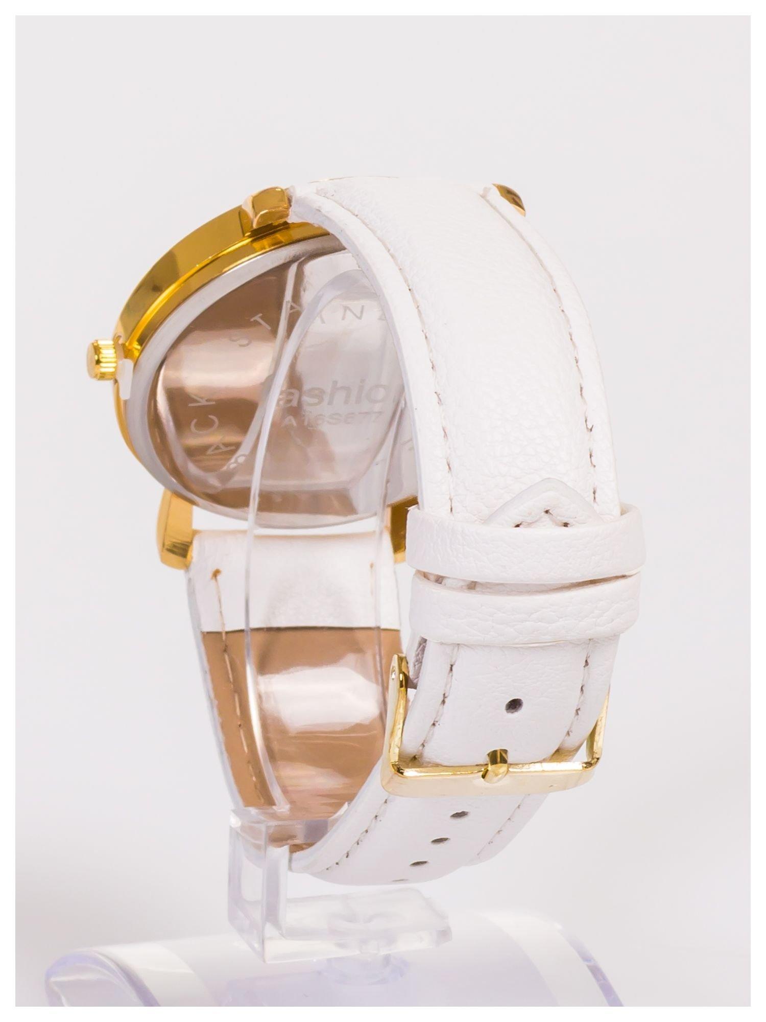 Damski zegarek z błyszczącym motylkiem na dużej i wyraźnej tarczy                                   zdj.                                  4