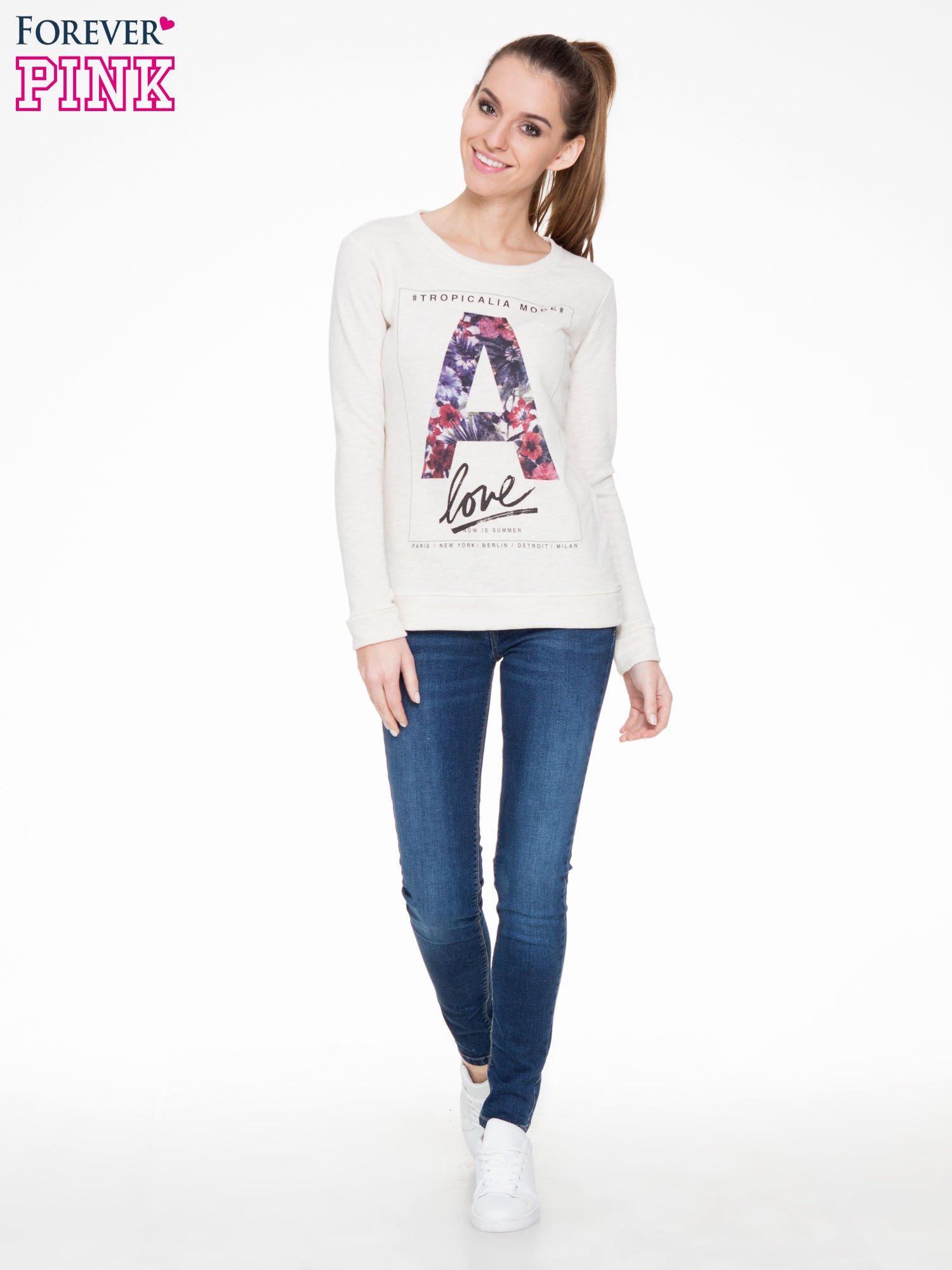 Ecru bluza z nadrukiem litery A z motywem kwiatowym                                  zdj.                                  2