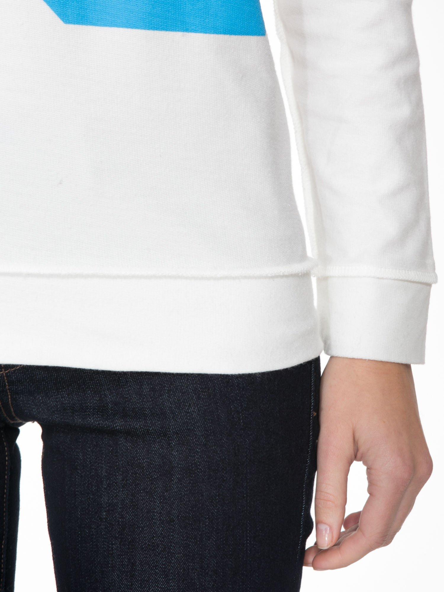 Ecru bluza z nadrukiem numerycznym 23                                  zdj.                                  6