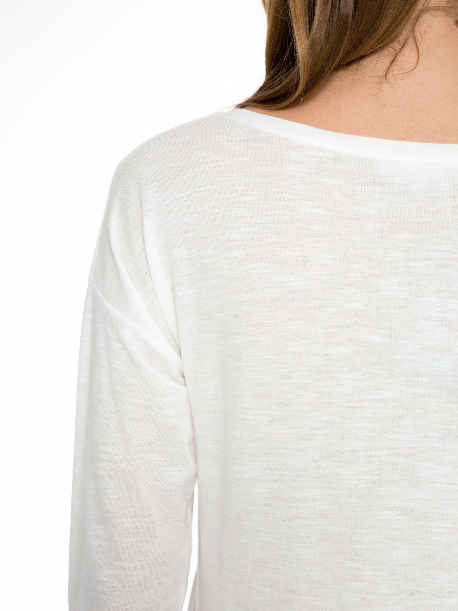 Ecru bluzka z nadrukiem krajobrazu i napisem WANDER                                  zdj.                                  8