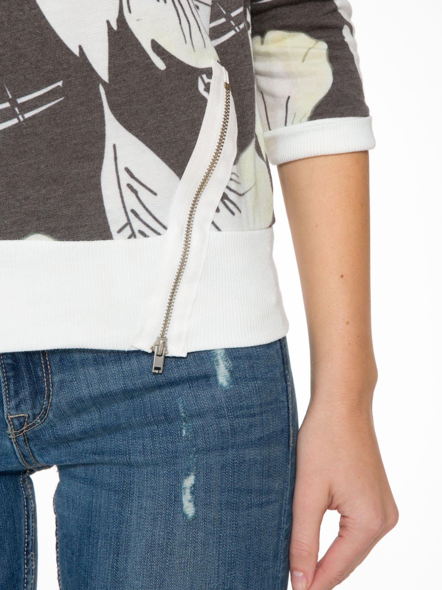 Ecru-czarna bluza z nadrukiem floral print i suwakami                                  zdj.                                  6