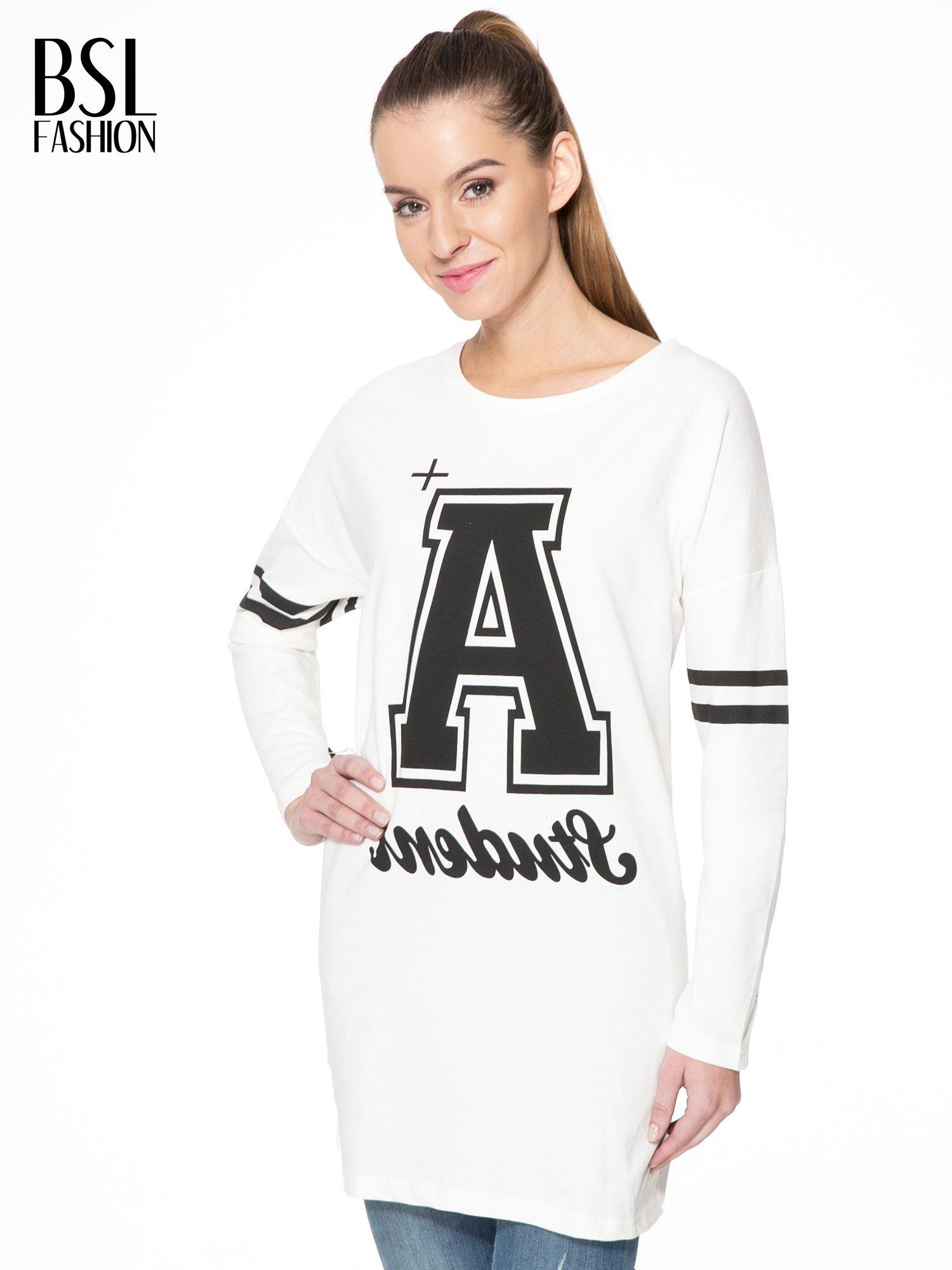 Ecru dresowa bluza z literą A w stylu baseballowym                                  zdj.                                  1