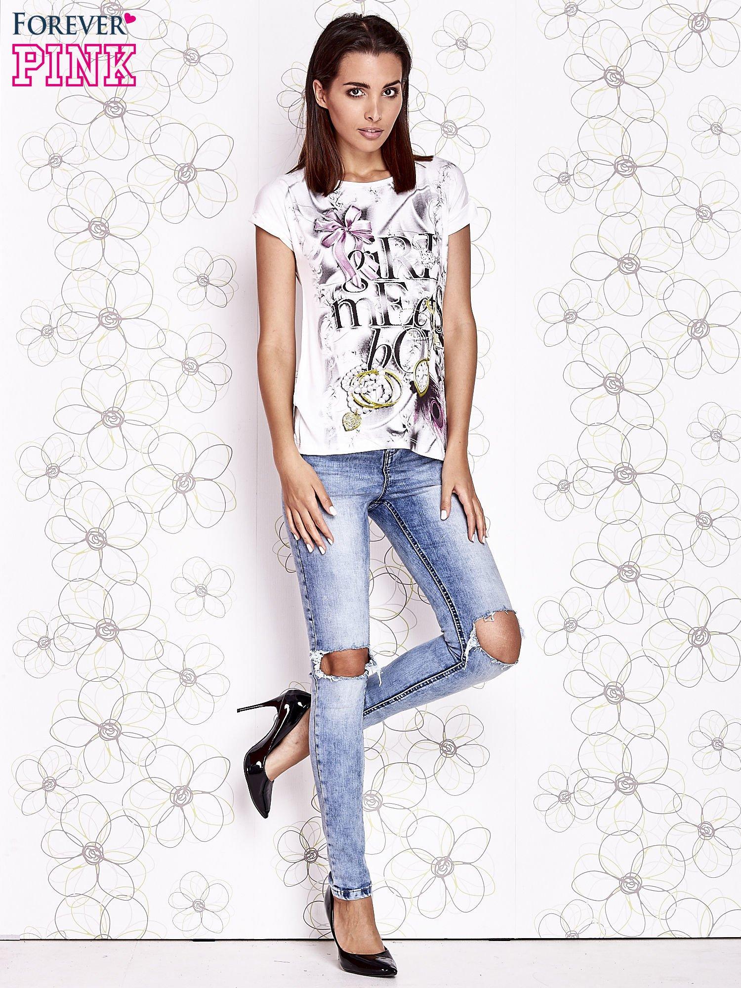 Ecru t-shirt damski z napisem GIRL MEETS BOY                                  zdj.                                  4