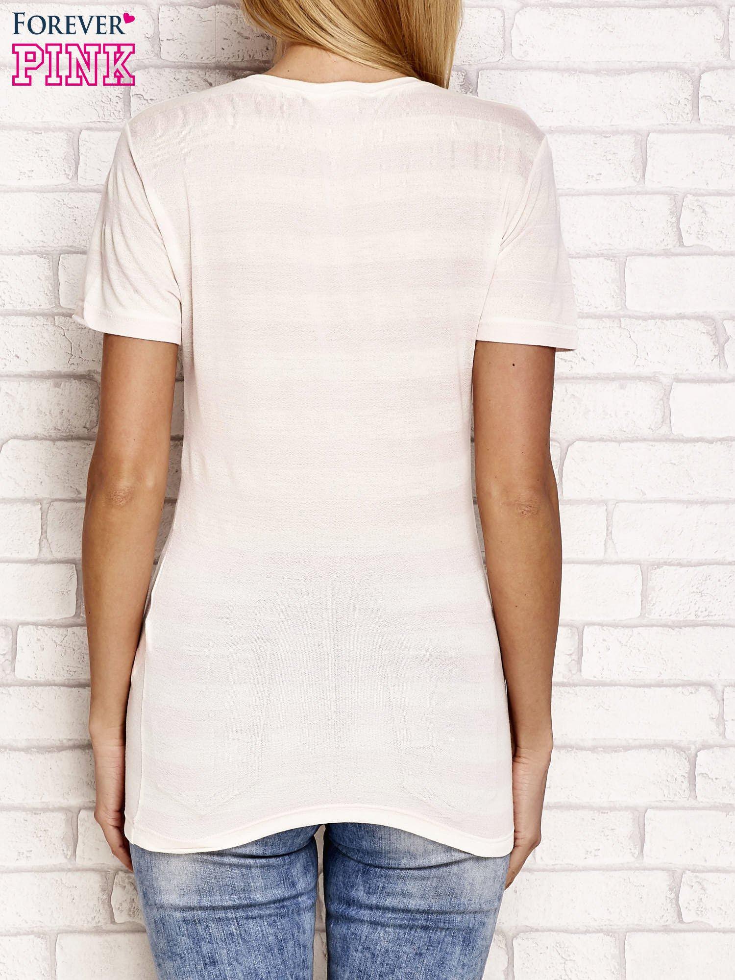Ecru t-shirt w paski
