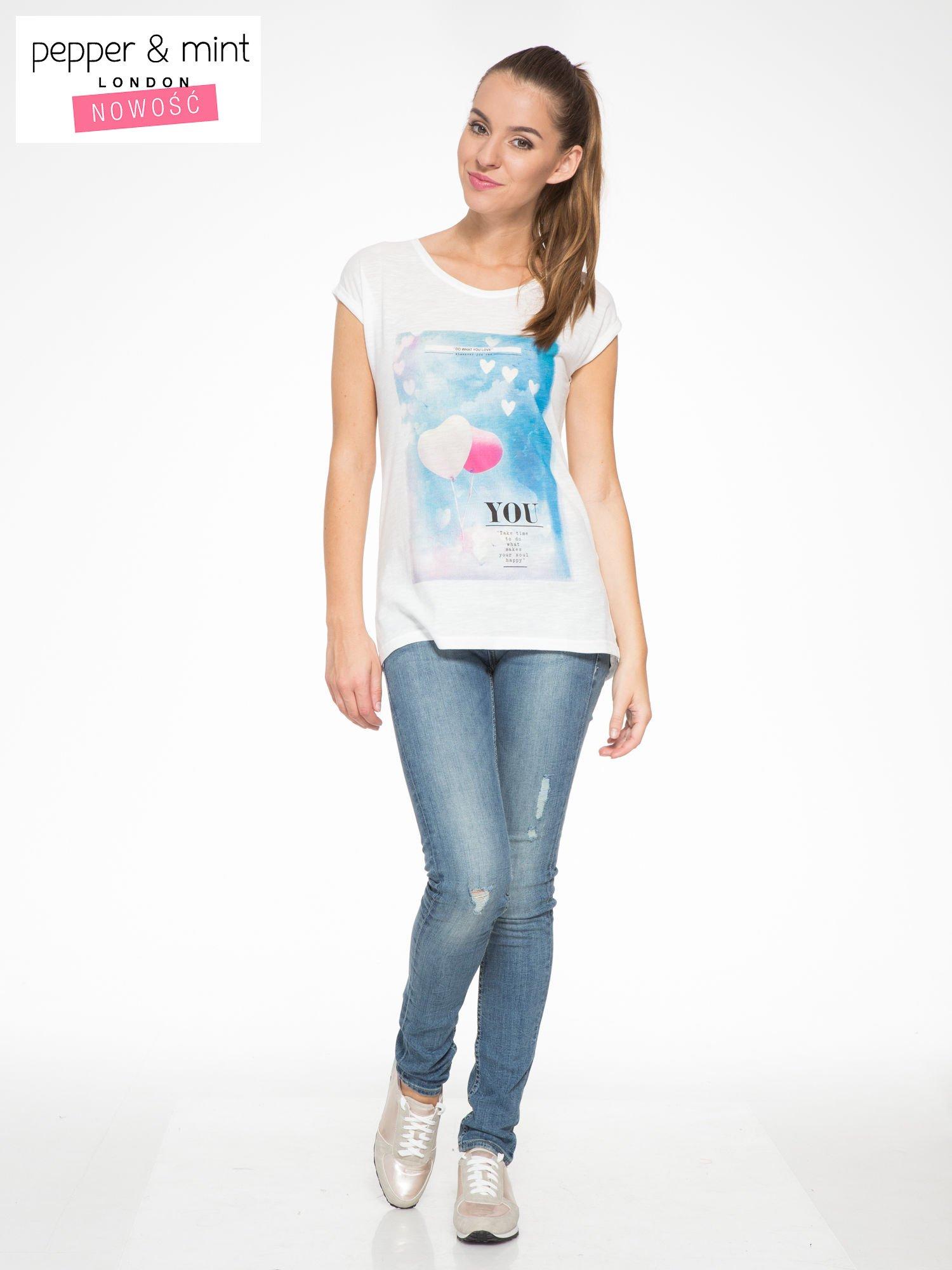 Ecru t-shirt z fotografią balonów                                  zdj.                                  5