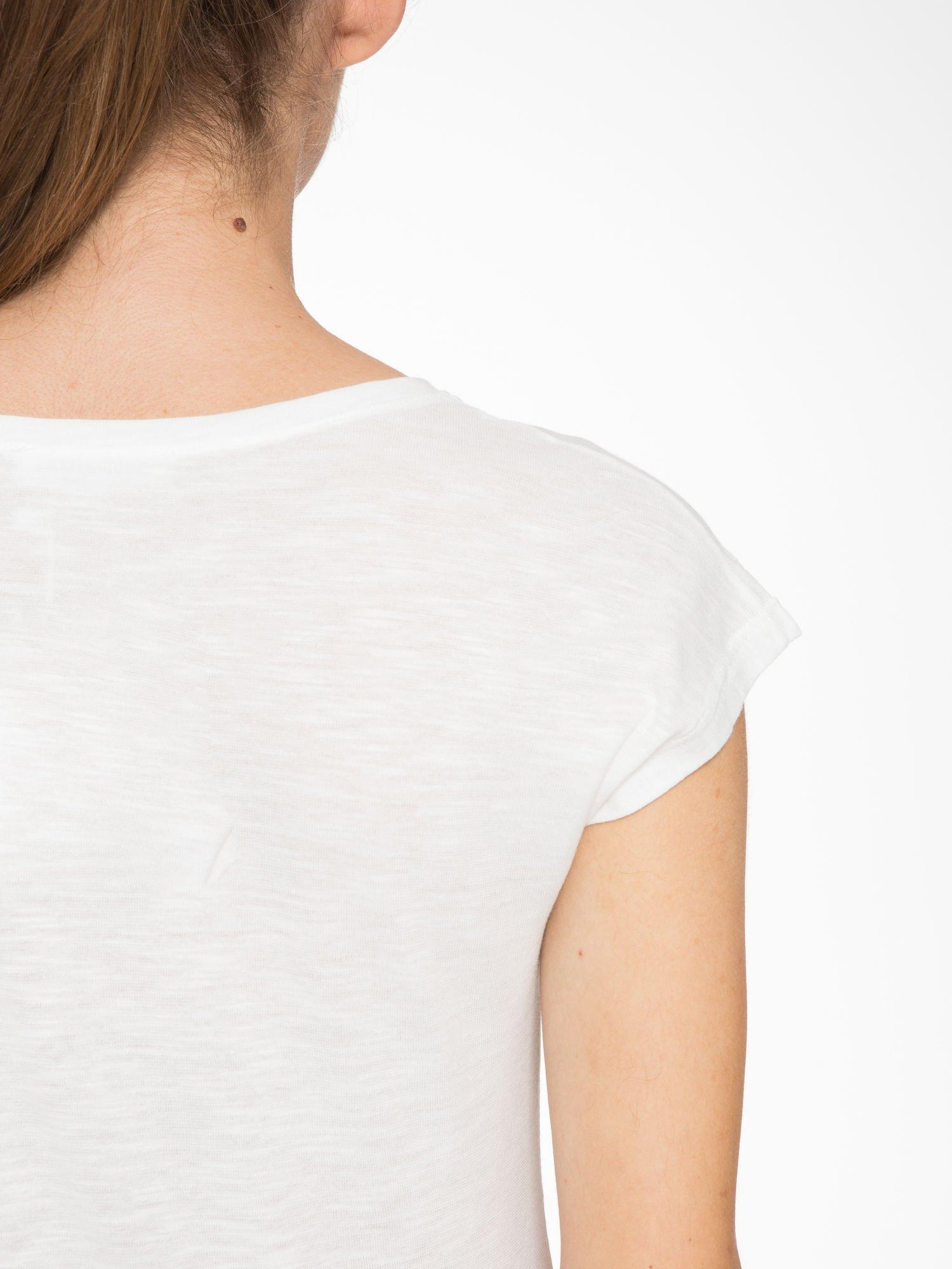 Ecru t-shirt z napisem LET GO                                  zdj.                                  9