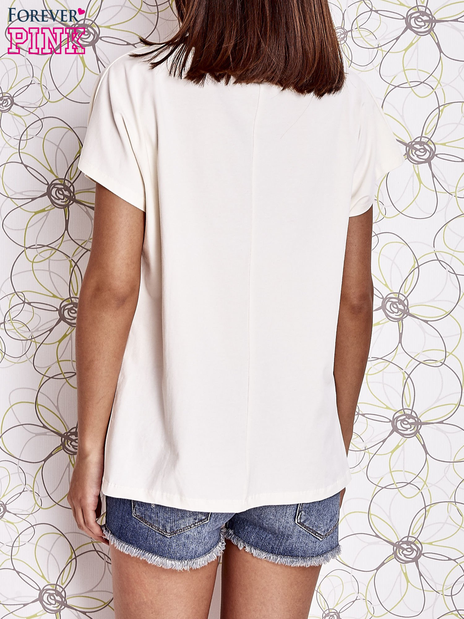 Ecru t-shirt z napisem NEED IT LOUDER                                  zdj.                                  2