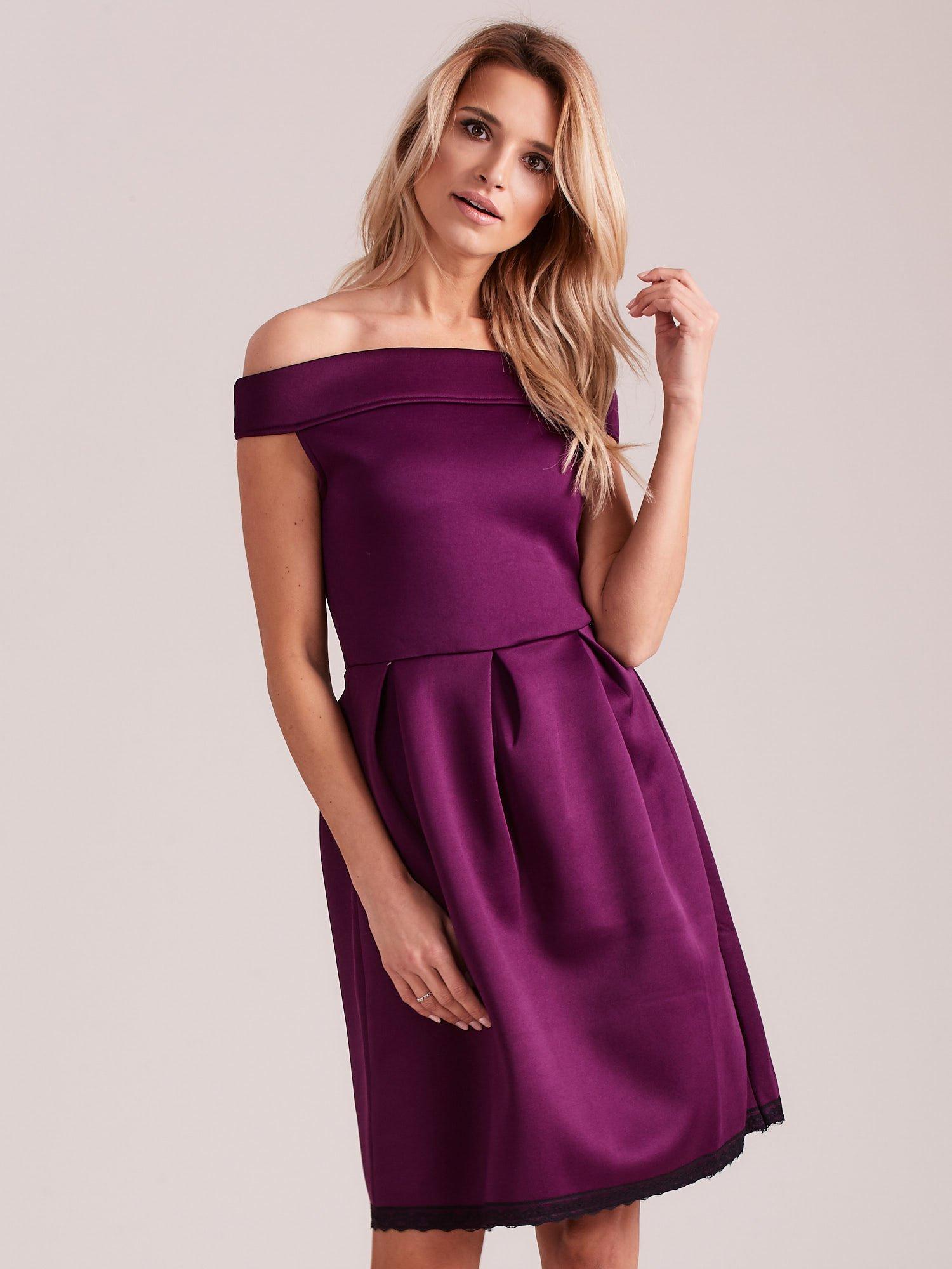 ab2e635d Fioletowa rozkloszowana sukienka z pianki