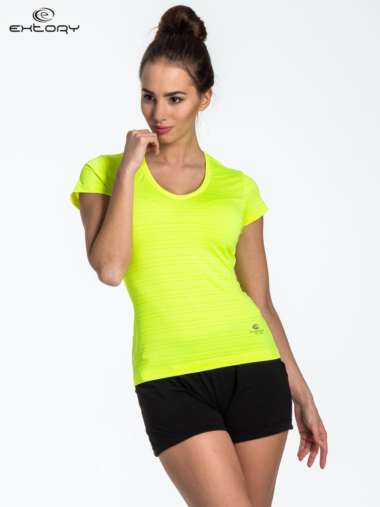 Fluożółty t-shirt sportowy w paseczki                                  zdj.                                  1