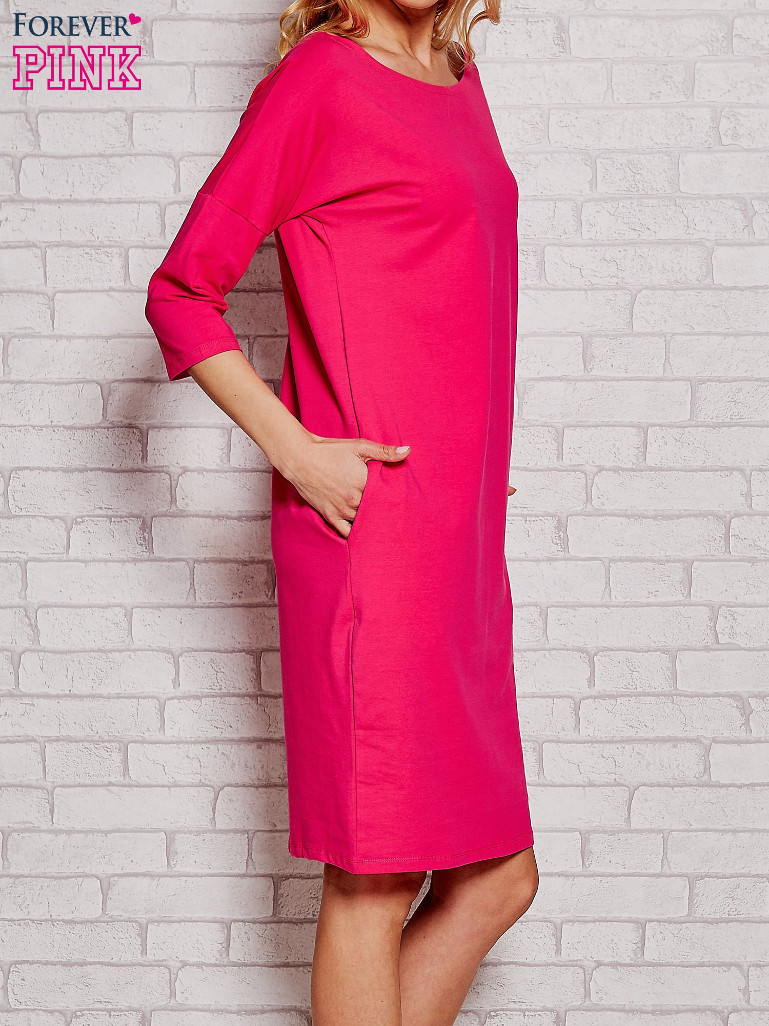 Fuksjowa prosta sukienka dresowa                                  zdj.                                  3