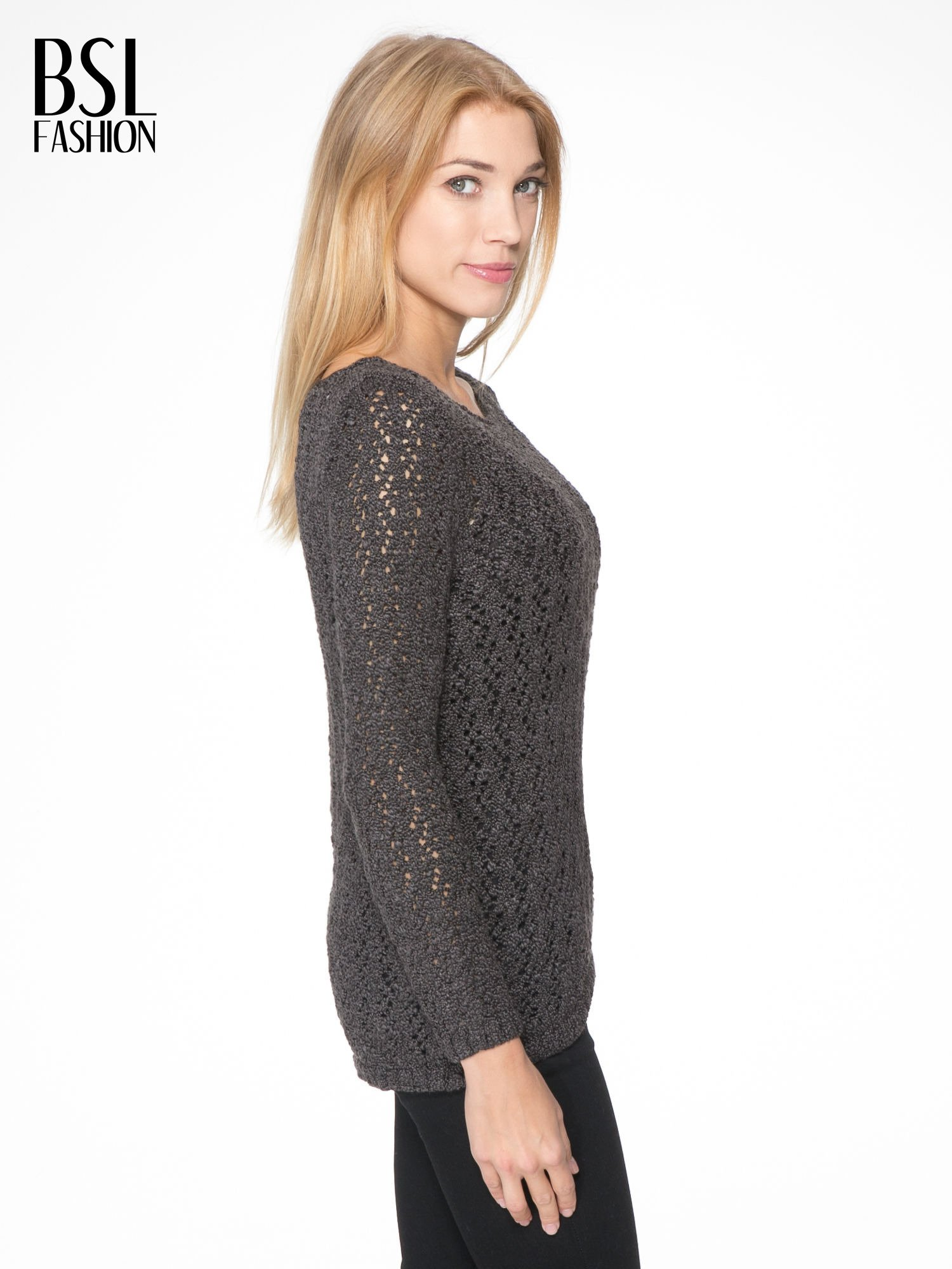 Grafitowy sweter o ażurowym splocie                                  zdj.                                  3