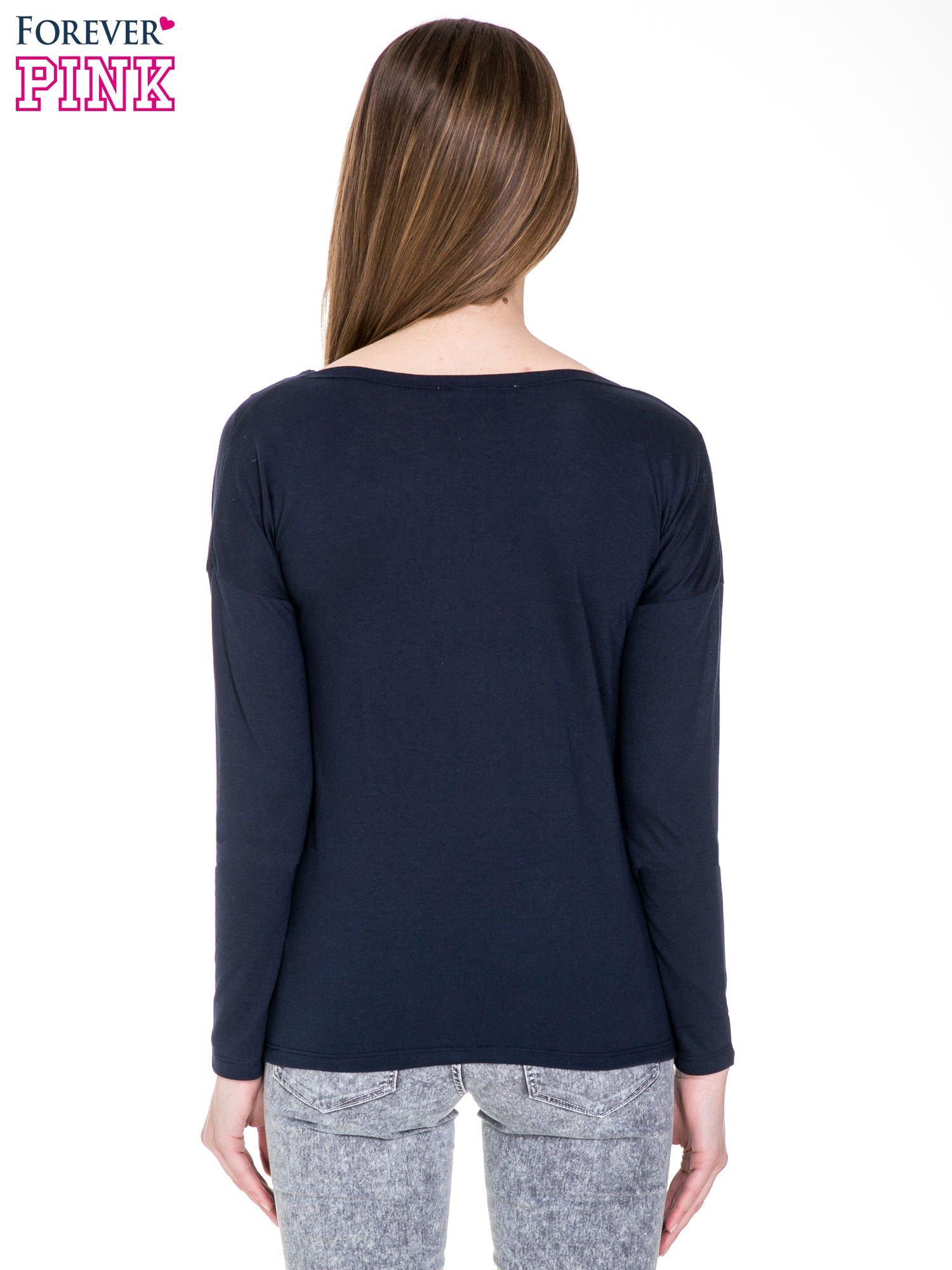 Granatowa bawełniana bluzka z dekoltem typu woda                                  zdj.                                  4