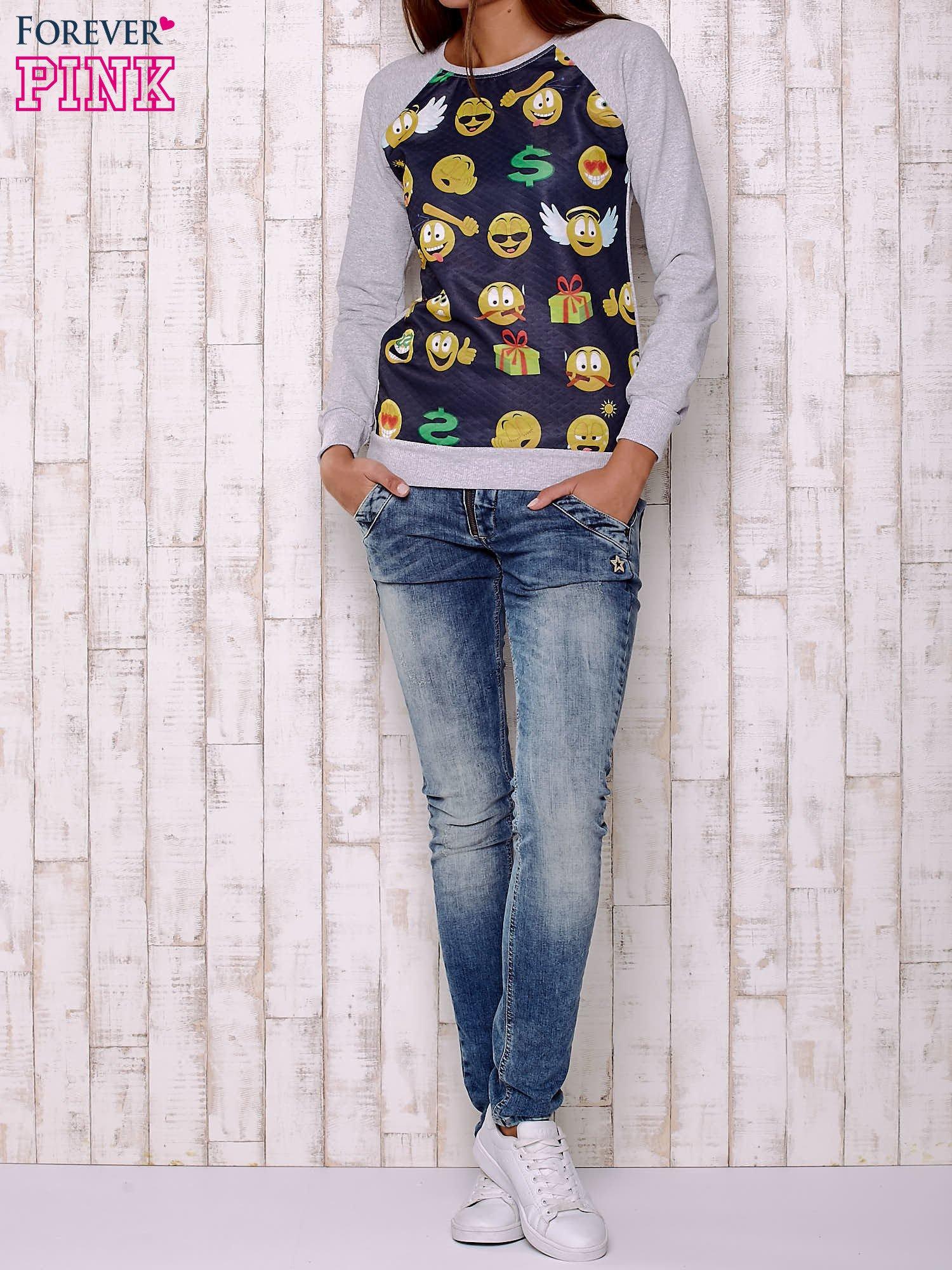 Granatowa bluza damska z nadrukiem emotikonów                                  zdj.                                  2