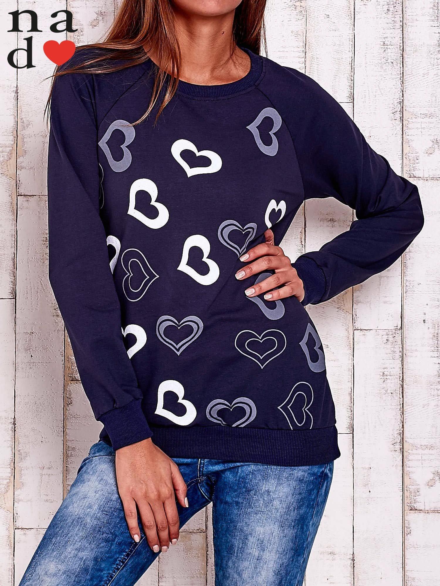 Granatowa bluza w serduszka                                  zdj.                                  1