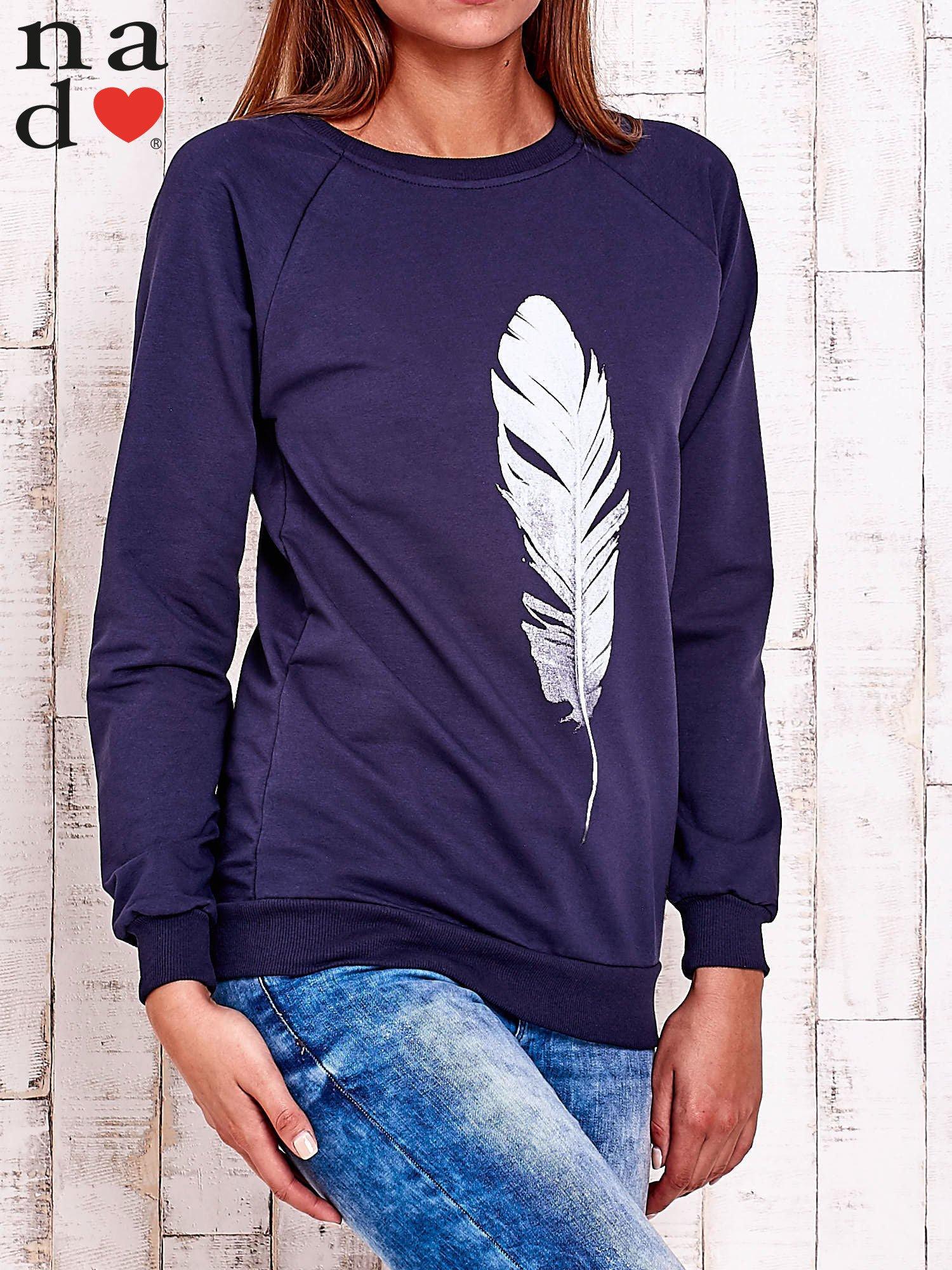 Granatowa bluza z piórkiem                                  zdj.                                  3