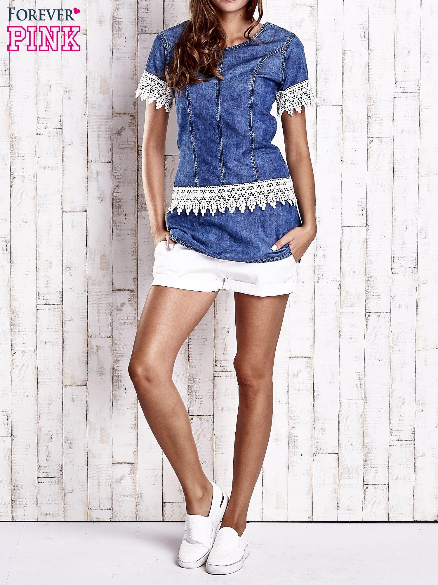 Granatowa jeansowa tunika z koronkowym wykończeniem                                  zdj.                                  5