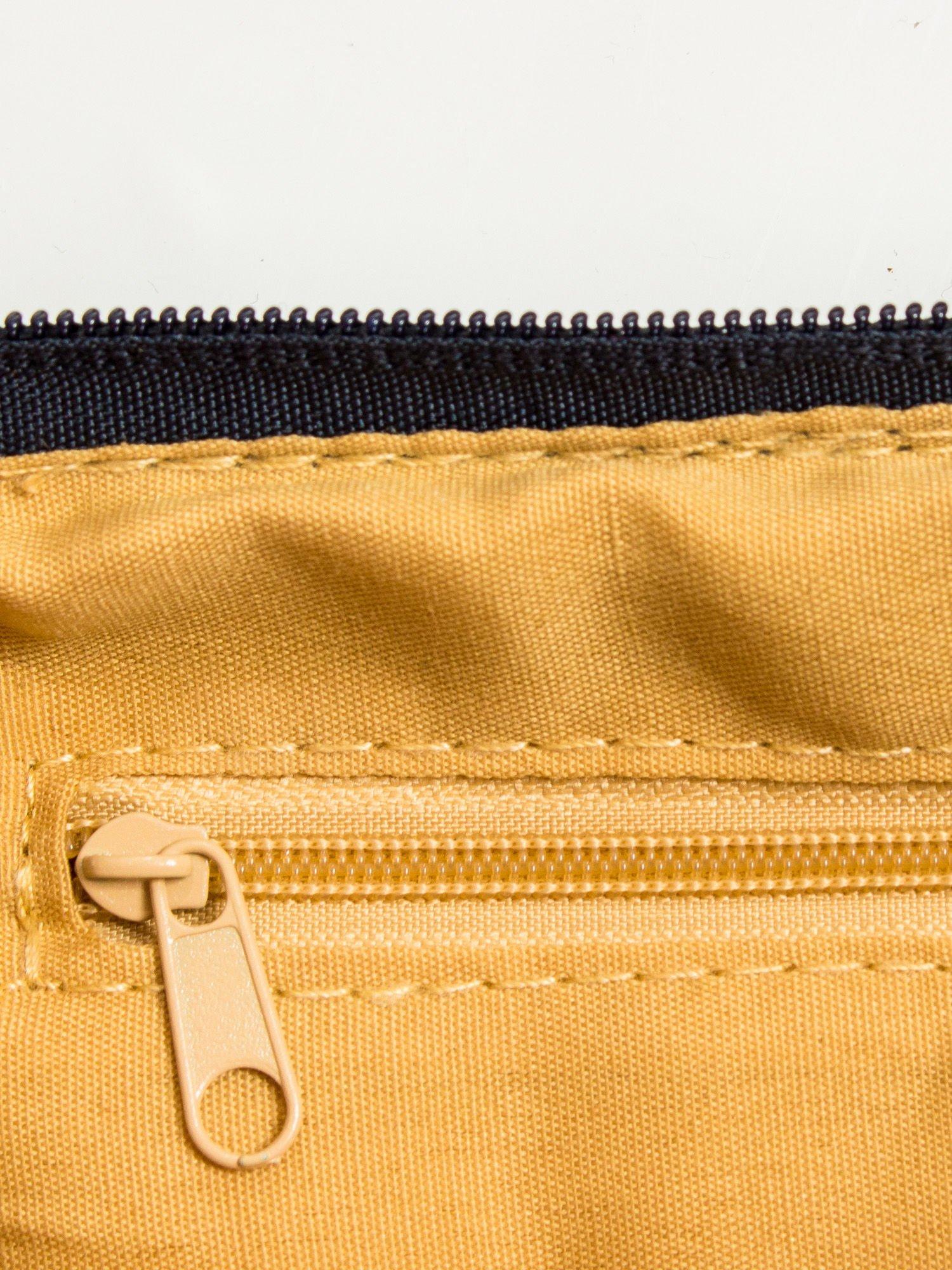 Granatowa kopertówka z dżetami motyw wąsów                                  zdj.                                  7