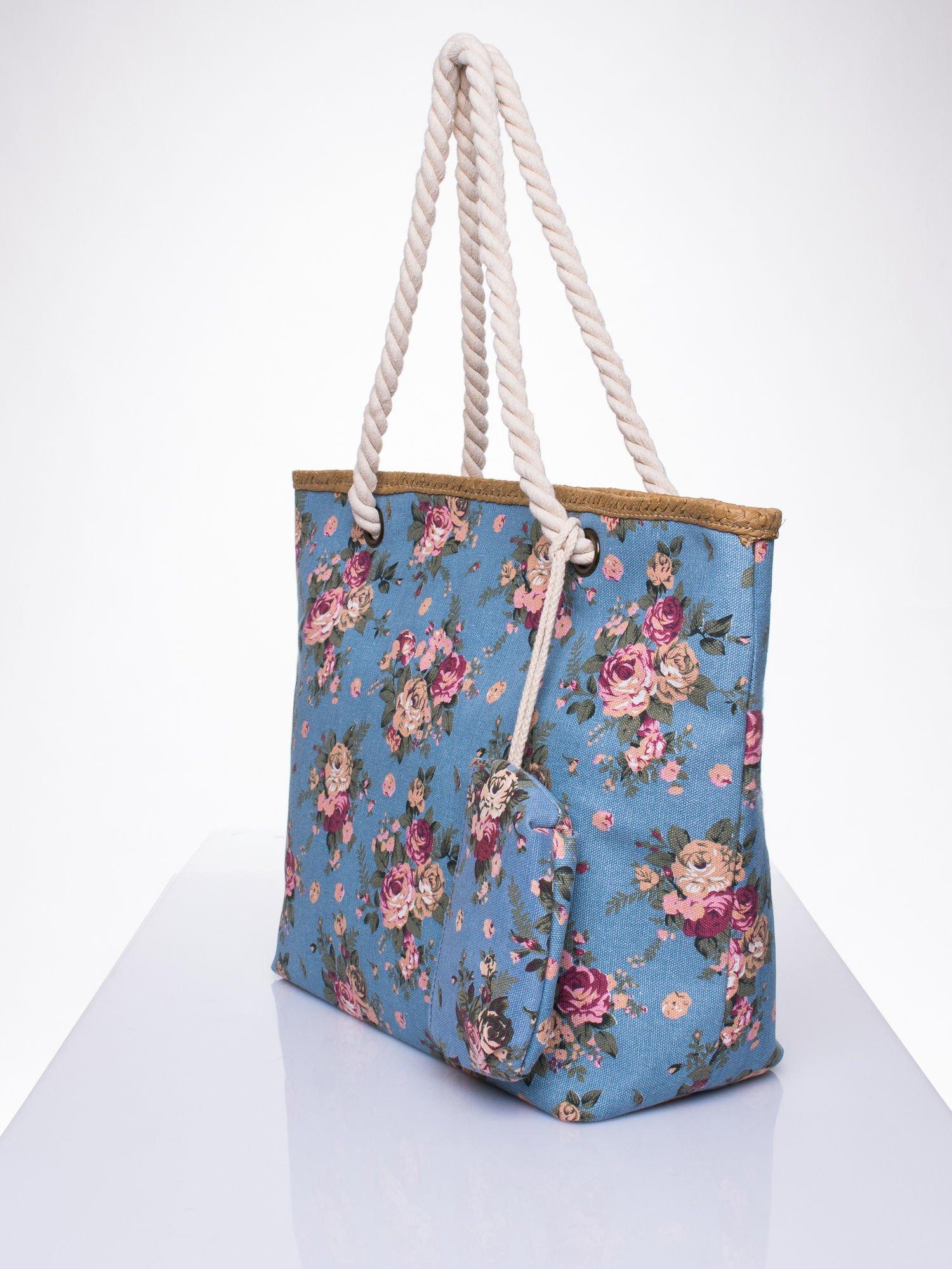 Granatowa plażowa torba w kwiaty na sznurku                                  zdj.                                  2