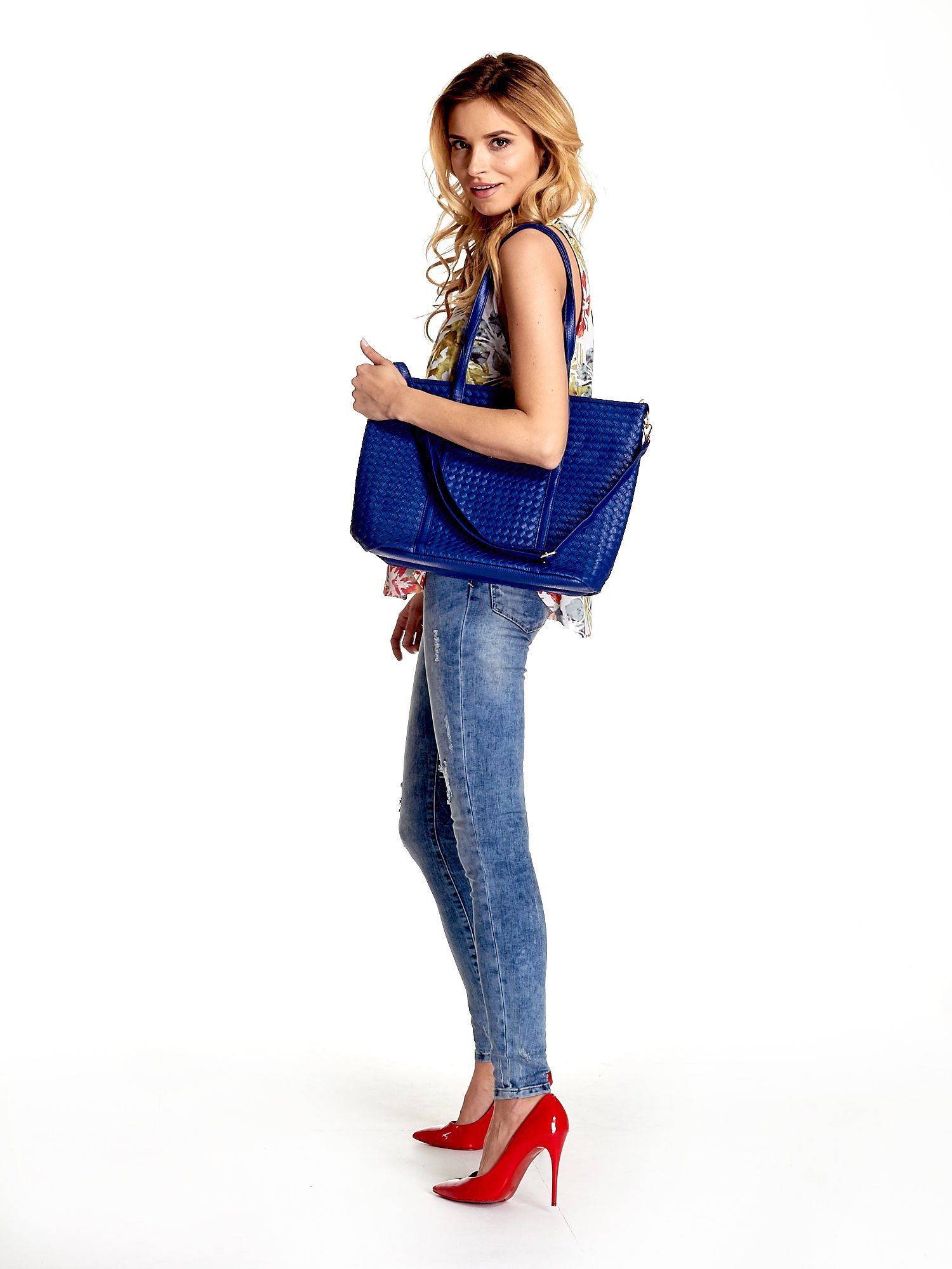 Granatowa pleciona torba shopper bag ze złotym detalem                                  zdj.                                  6