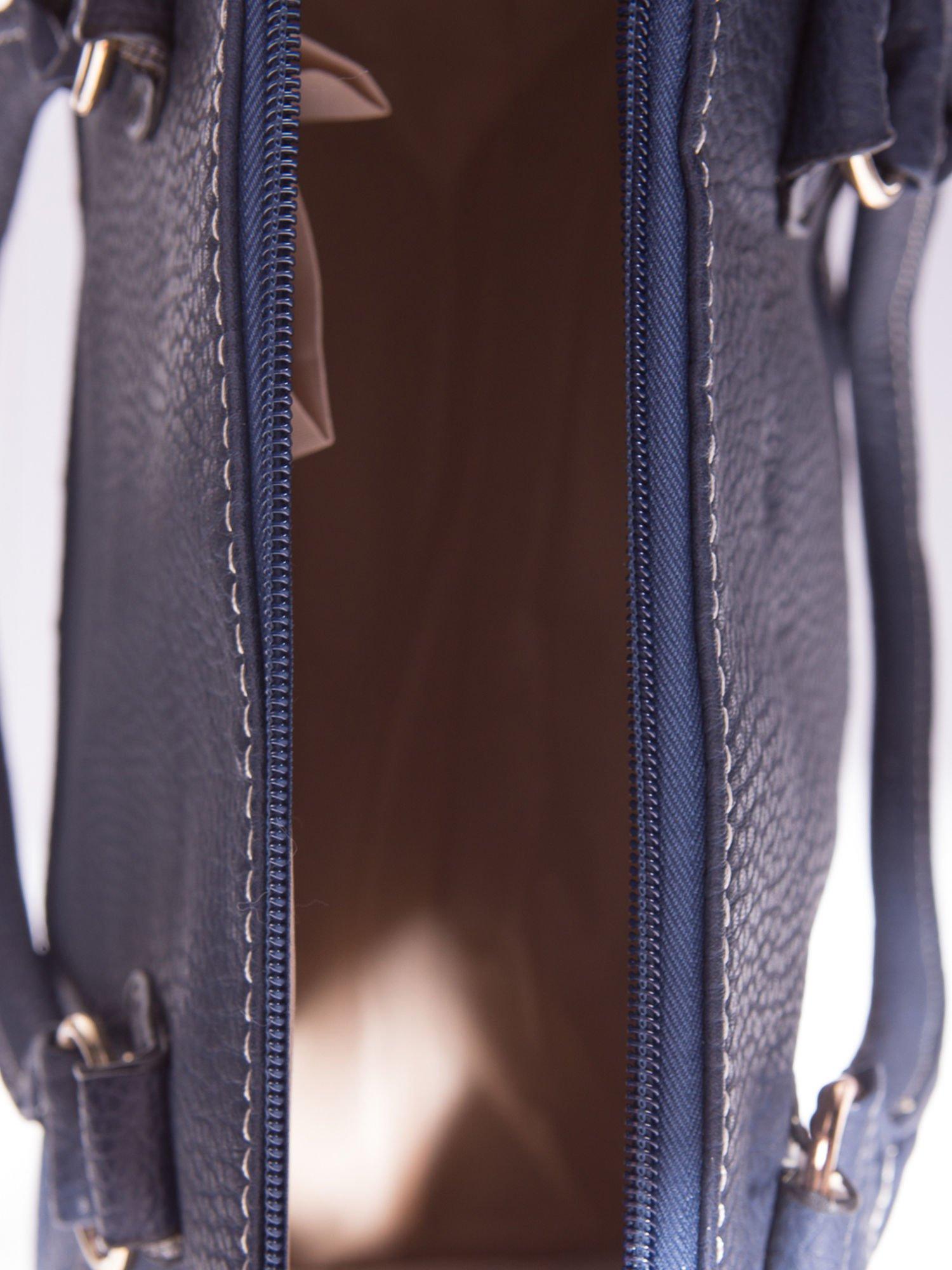 Granatowa torba bowling ze złotymi dżetami                                  zdj.                                  5