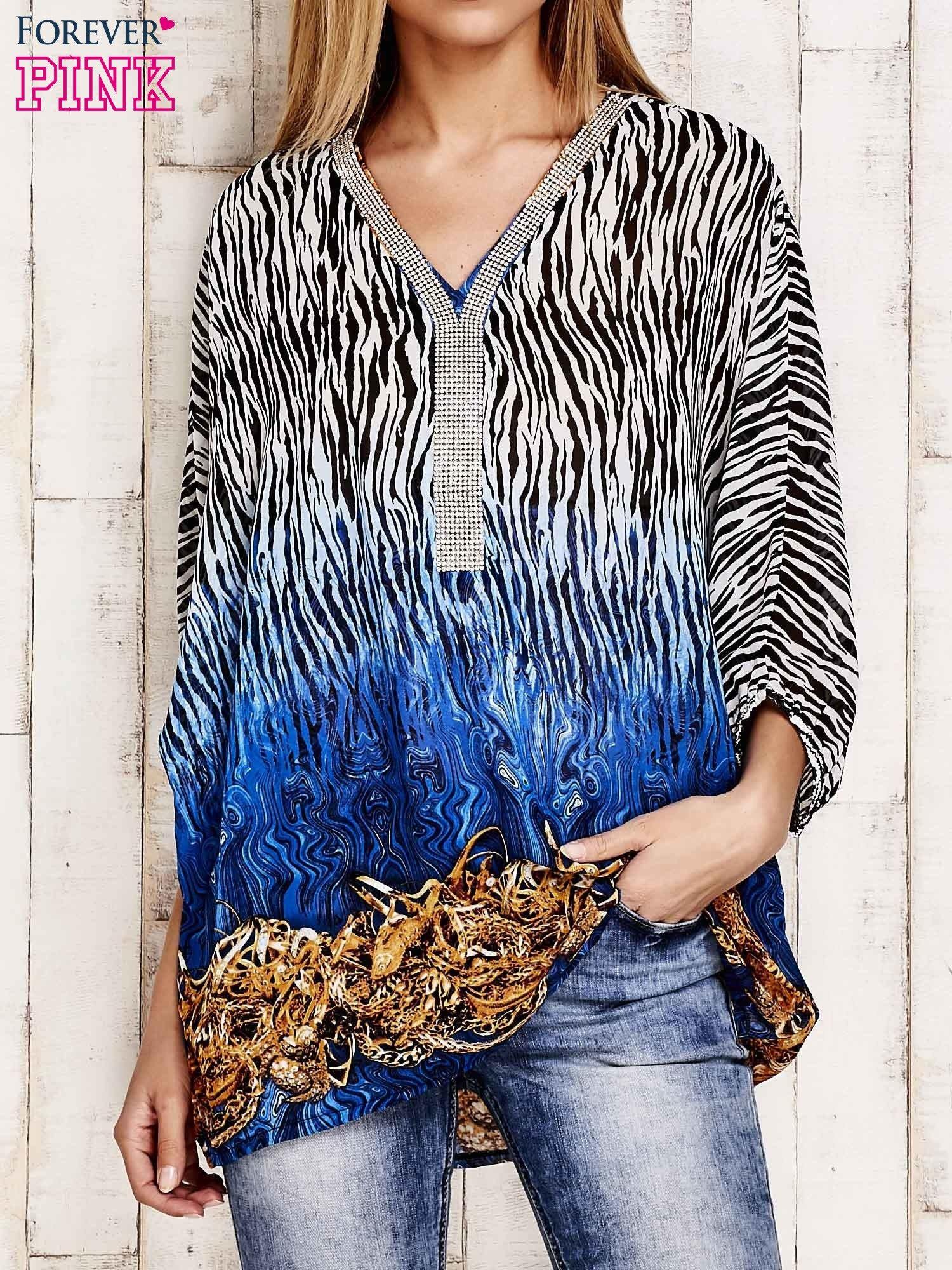 Granatowa wzorzysta koszula oversize z dekoltem z cyrkonii                                  zdj.                                  1