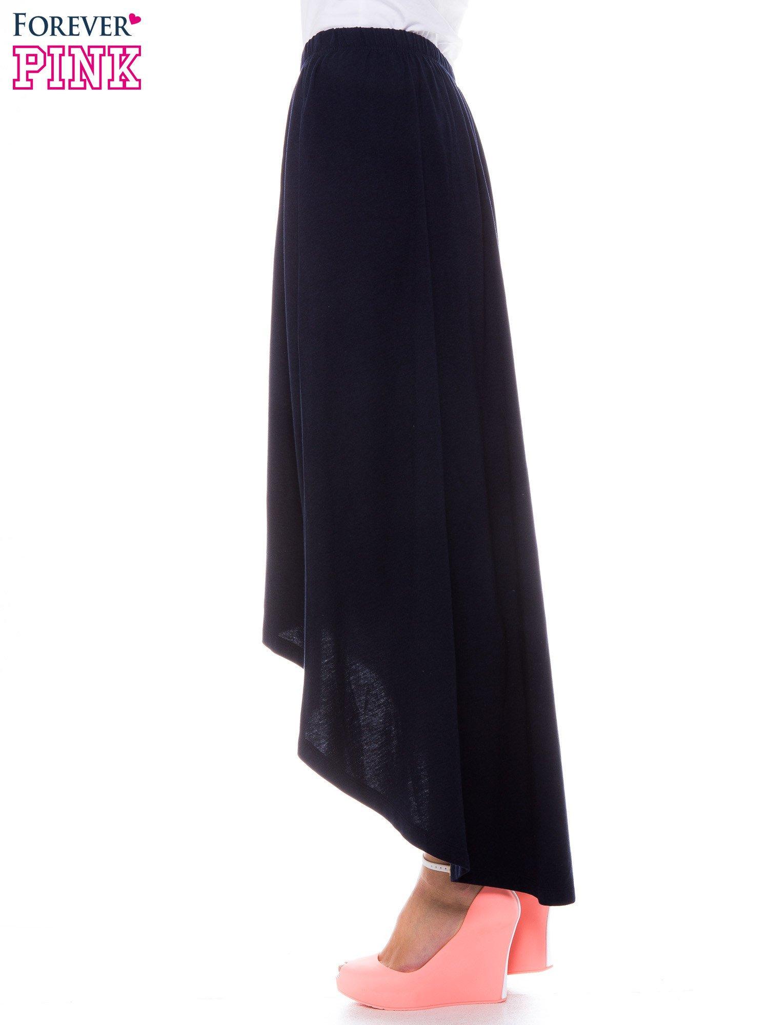 Granatowa zwiewna spódnica z dłuższym tyłem                                  zdj.                                  2