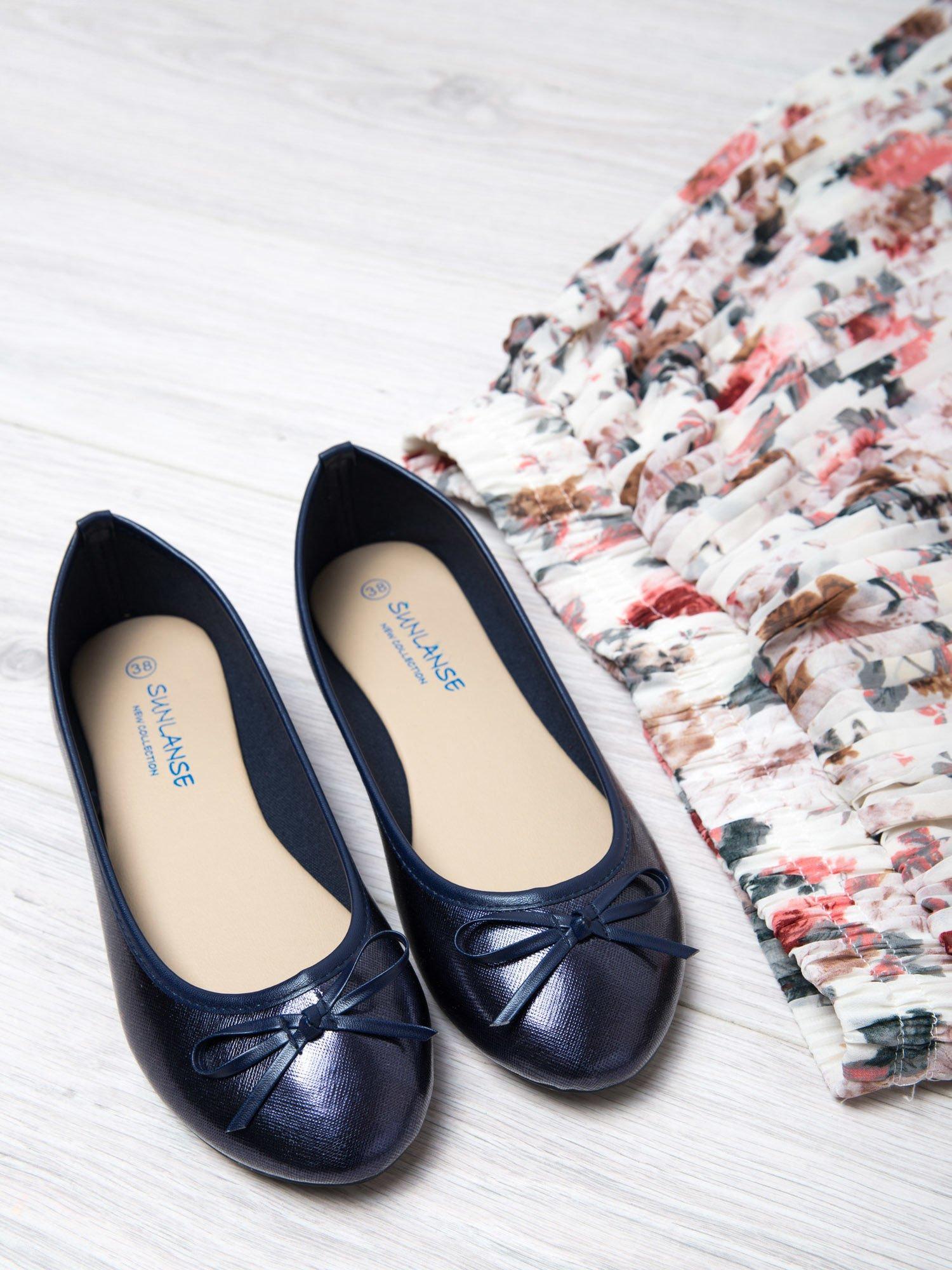 Granatowe baleriny faux leather classic z kokardką                                  zdj.                                  1